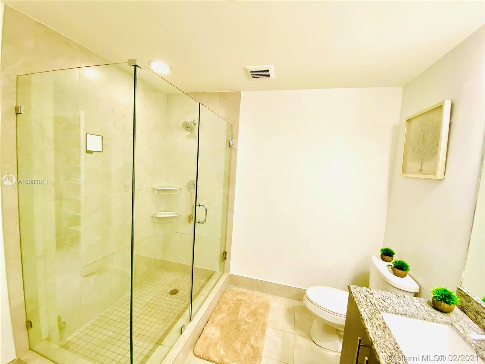 5350 NW 84th Ave #305 photo026
