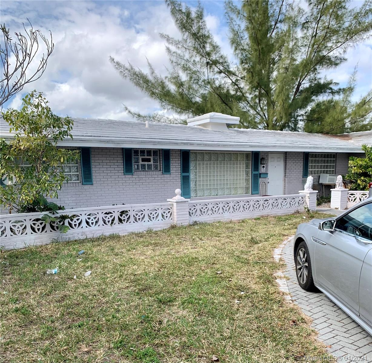 Property for sale at 6351 NE 18th Ave, Fort Lauderdale,  Florida 33334