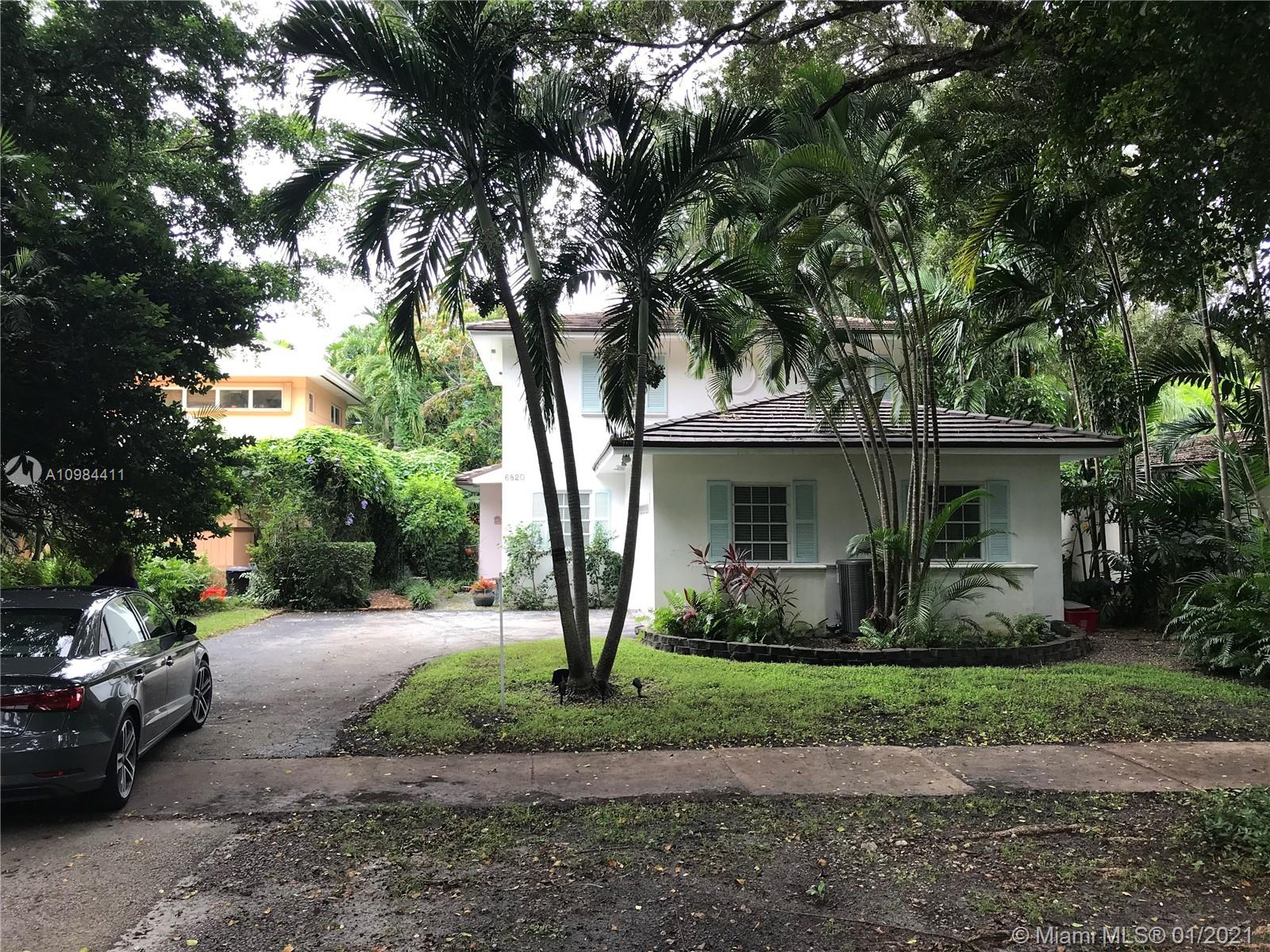South Miami - 6820 Pallazzo St, Coral Gables, FL 33146