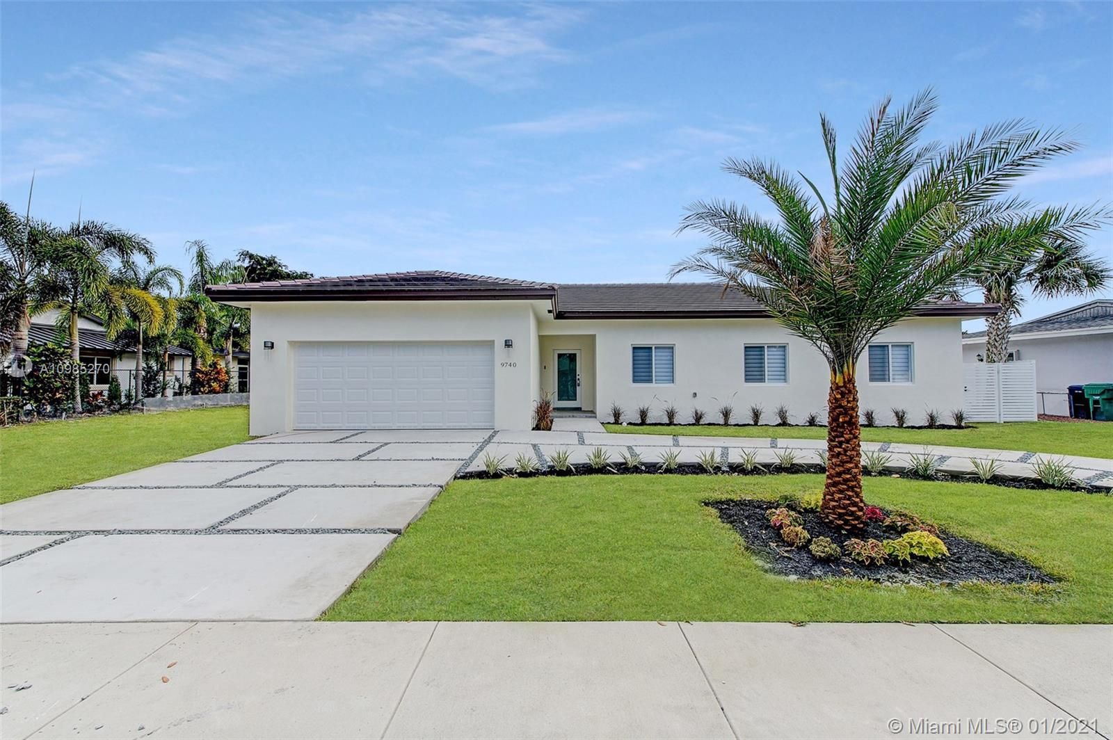 9740 W Palmetto Club Ln, Miami, Florida 33157, 4 Bedrooms Bedrooms, ,3 BathroomsBathrooms,Residential,For Sale,9740 W Palmetto Club Ln,A10985270