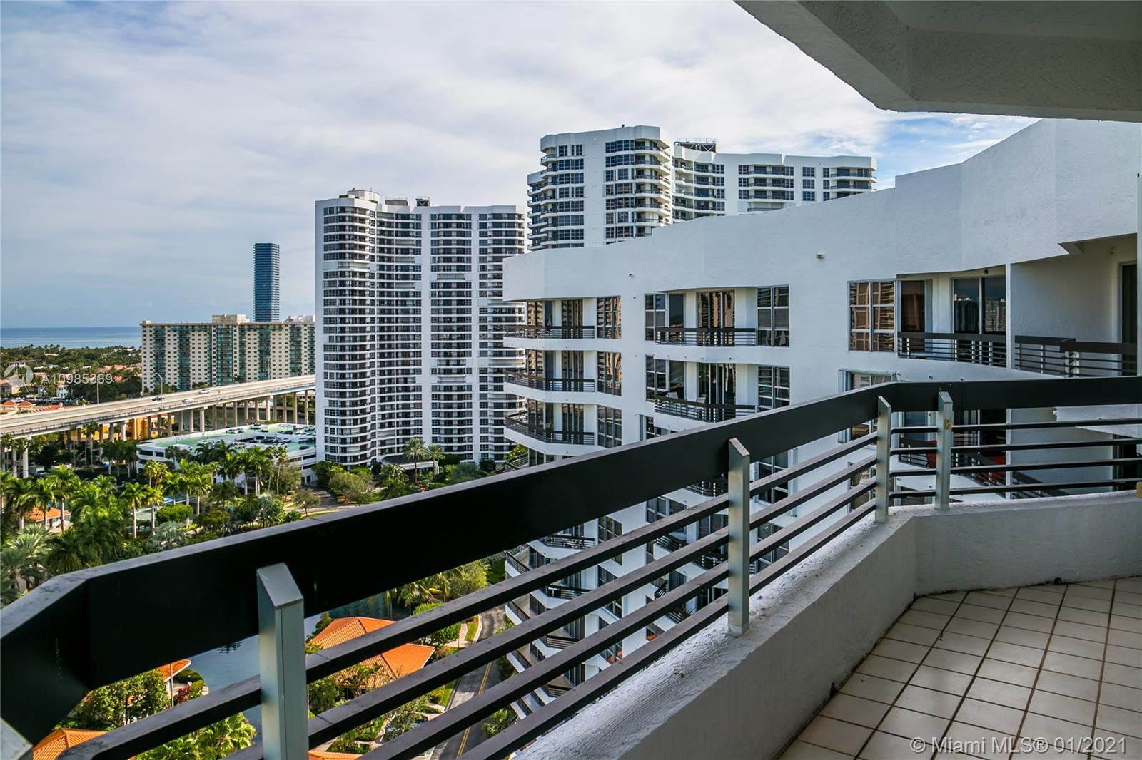 Mystic Pointe Tower 300 #1908 - 3600 Mystic Pointe Dr #1908, Aventura, FL 33180