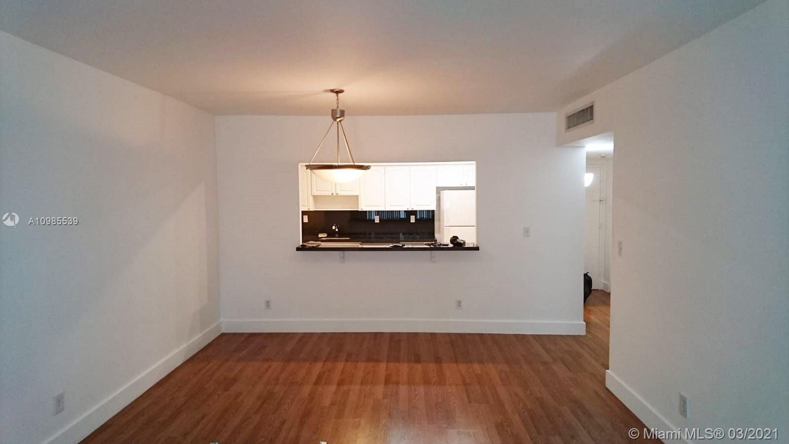19390 Collins Ave #511 photo02