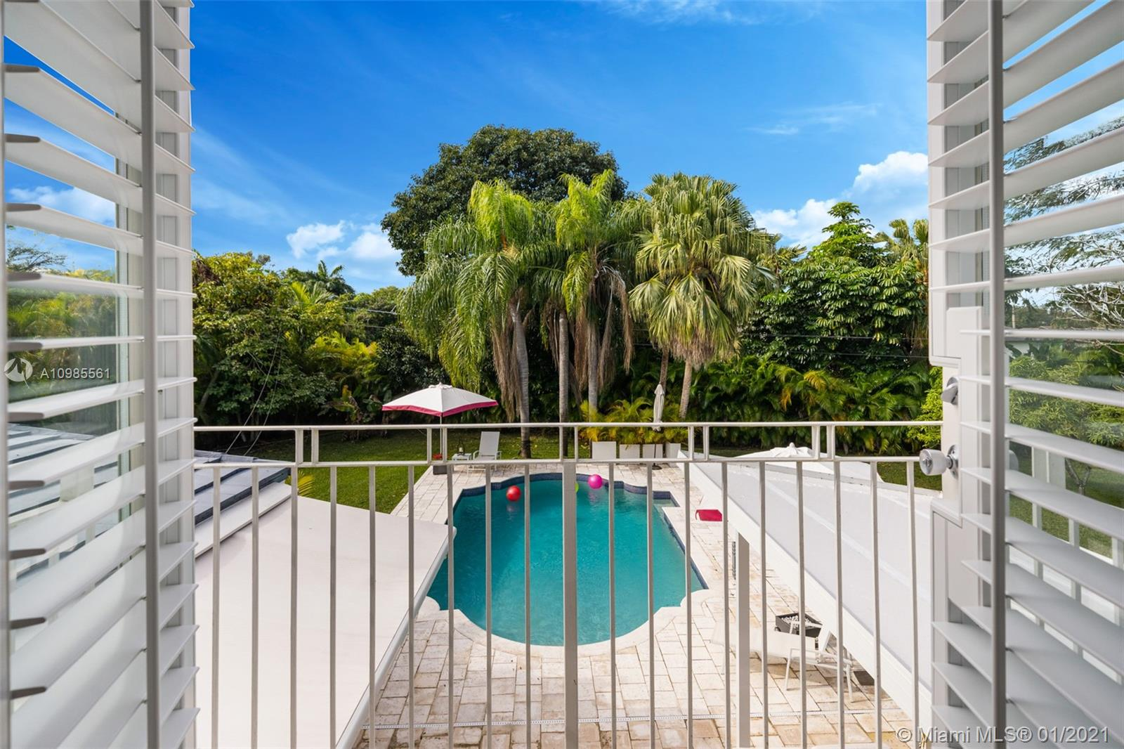 11900 SW 70th Ave, Pinecrest, Florida 33156, 4 Bedrooms Bedrooms, ,4 BathroomsBathrooms,Residential,For Sale,11900 SW 70th Ave,A10985561