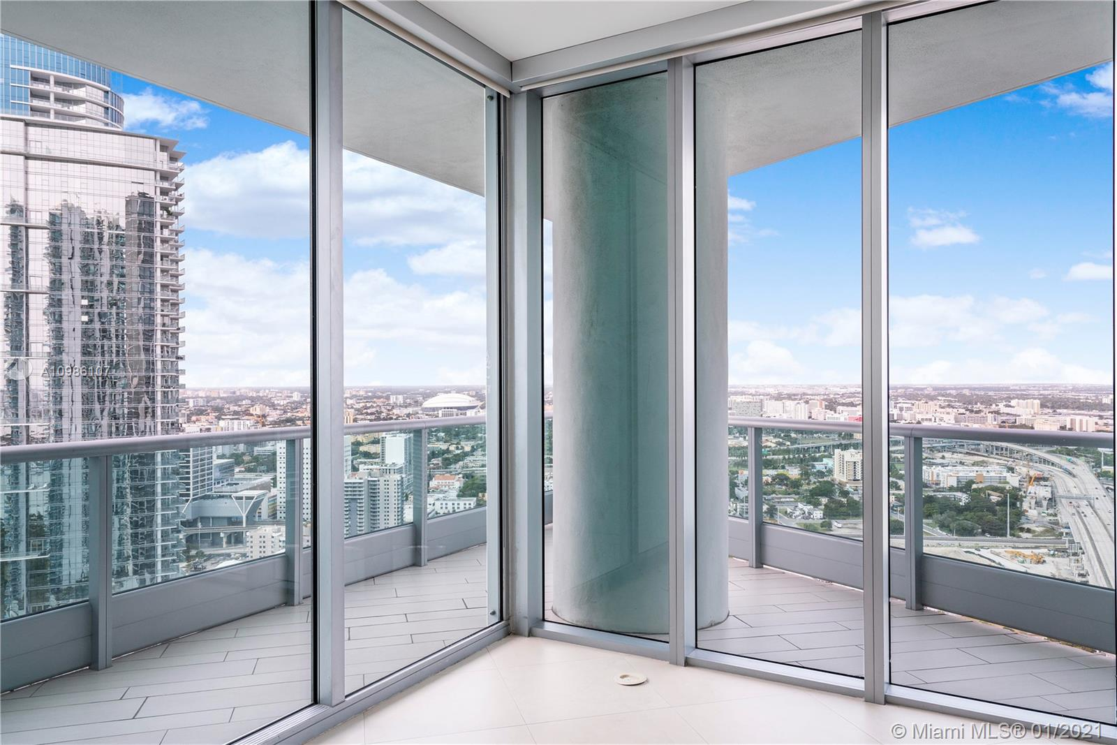 900 Biscayne Blvd # 4312, Miami, Florida 33132, 2 Bedrooms Bedrooms, ,3 BathroomsBathrooms,Residential,For Sale,900 Biscayne Blvd # 4312,A10986107