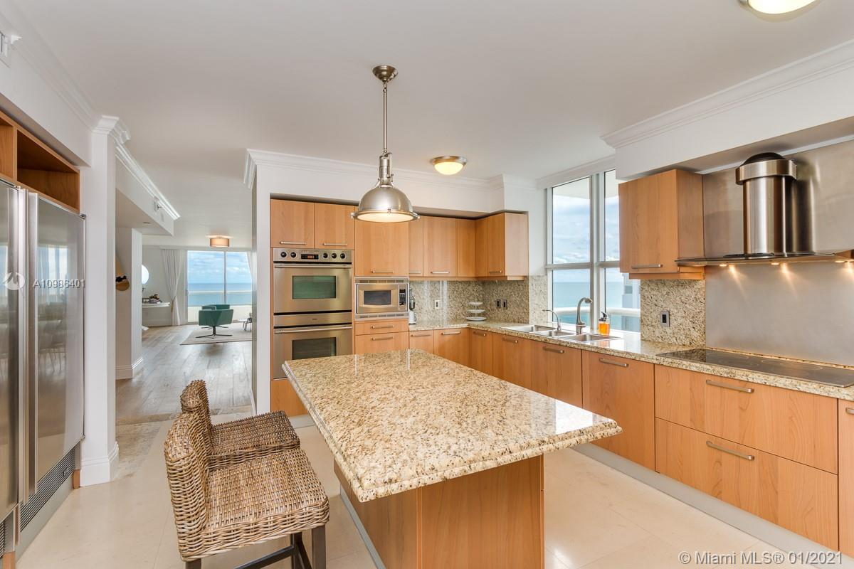 5801 Collins Ave #1000 photo015