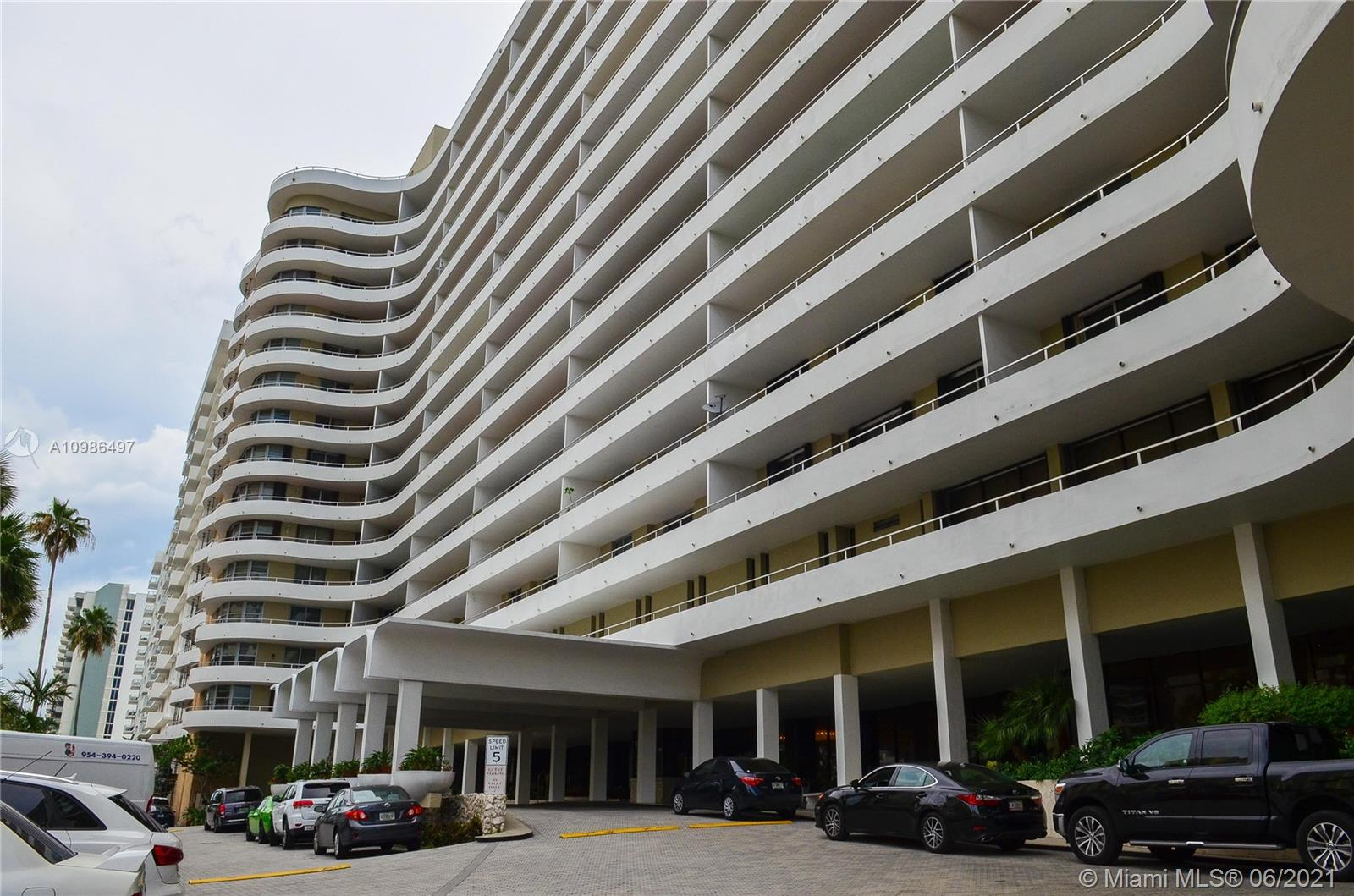 Oceanside Plaza #4A - 5555 Collins Ave #4A, Miami Beach, FL 33140