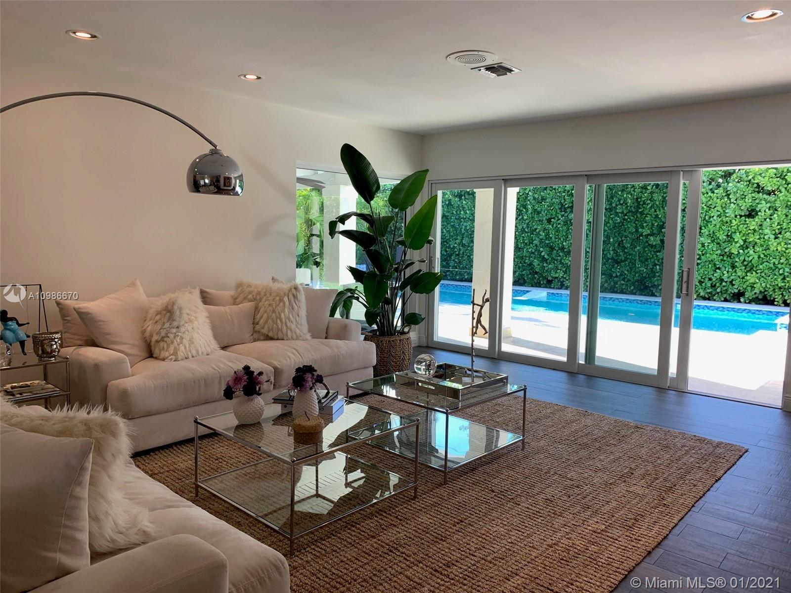 Tropical Isle Homes - 412 Ridgewood Rd, Key Biscayne, FL 33149