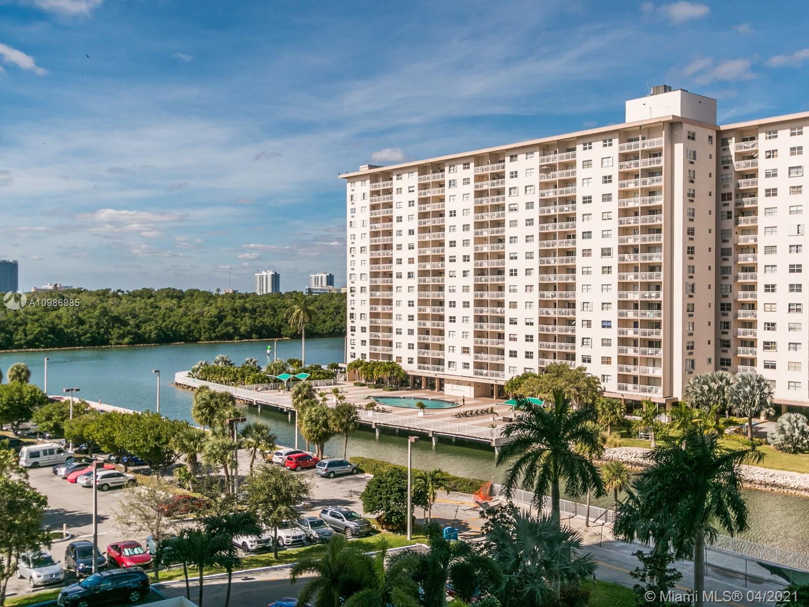 Arlen House #625 - 500 Bayview Dr #625, Sunny Isles Beach, FL 33160