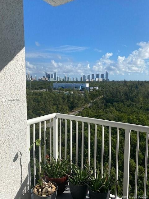 One Fifty One At Biscayne #1002 photo33