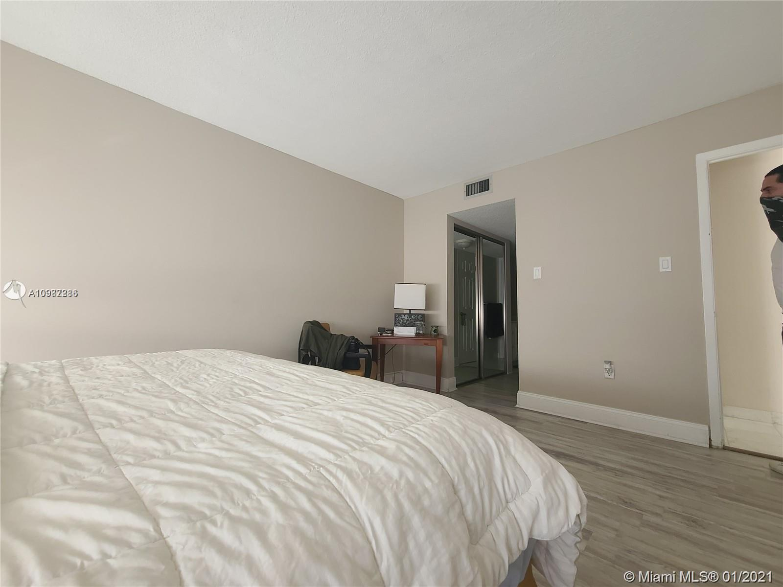 18061 Biscayne Blvd #1203 photo036