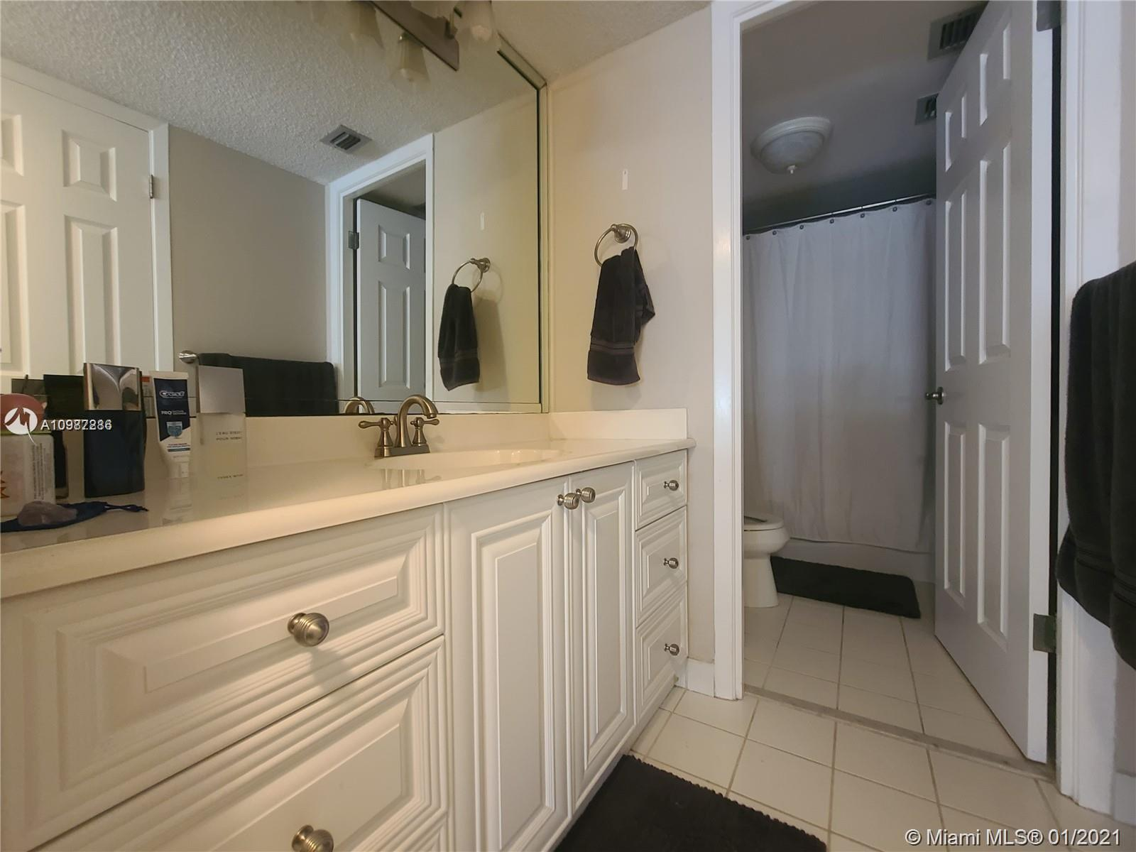 18061 Biscayne Blvd #1203 photo034