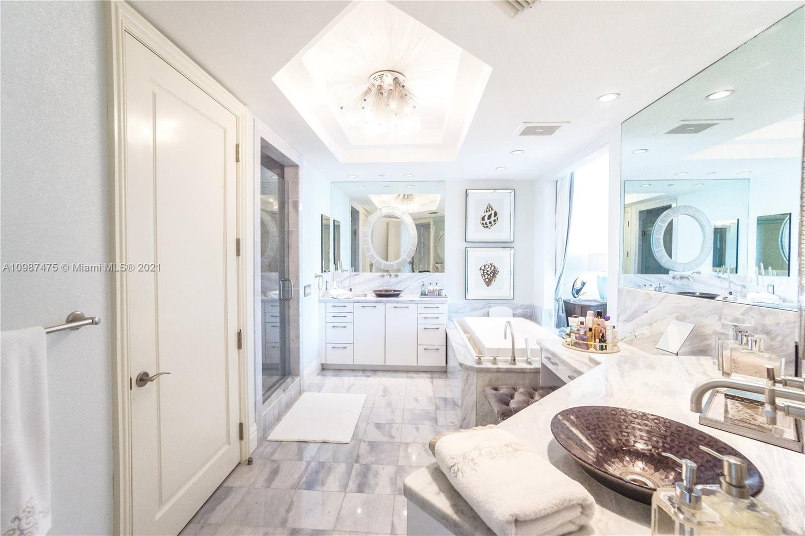 10295 Collins Ave #904 photo026