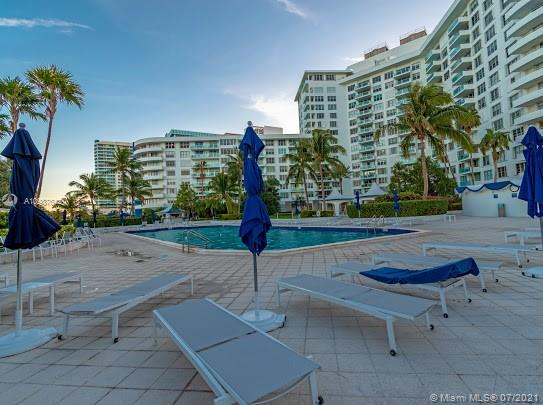 5161 Collins Ave #1208 photo026