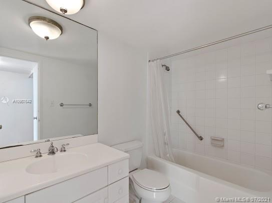 5161 Collins Ave #1208 photo020