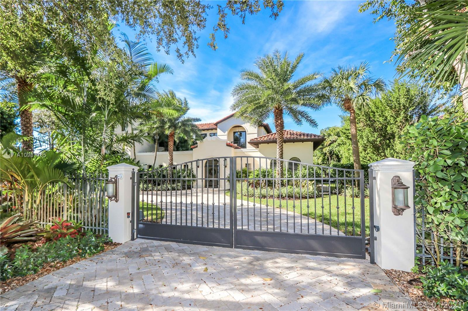 9580 SW 67th Ave, Pinecrest, Florida 33156, 6 Bedrooms Bedrooms, ,9 BathroomsBathrooms,Residential,For Sale,9580 SW 67th Ave,A10987785