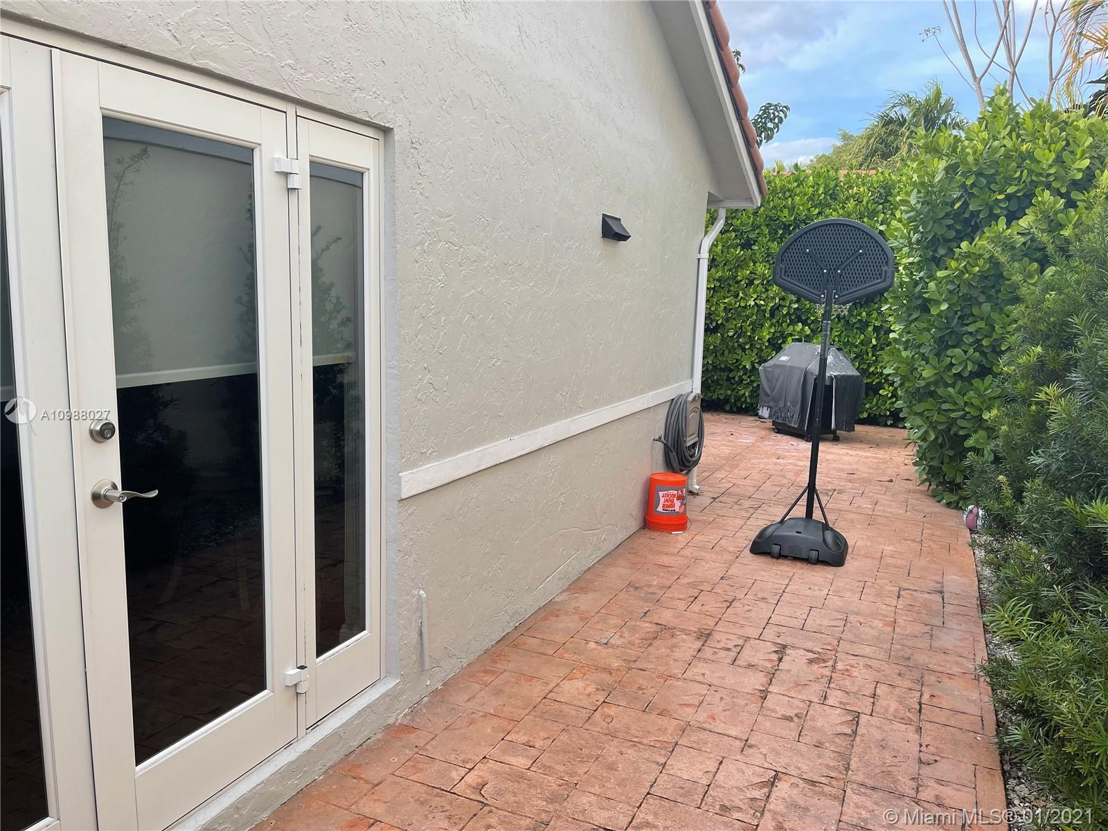 11307 SW 73rd Ln, Miami, Florida 33173, 3 Bedrooms Bedrooms, ,2 BathroomsBathrooms,Residential,For Sale,11307 SW 73rd Ln,A10988027