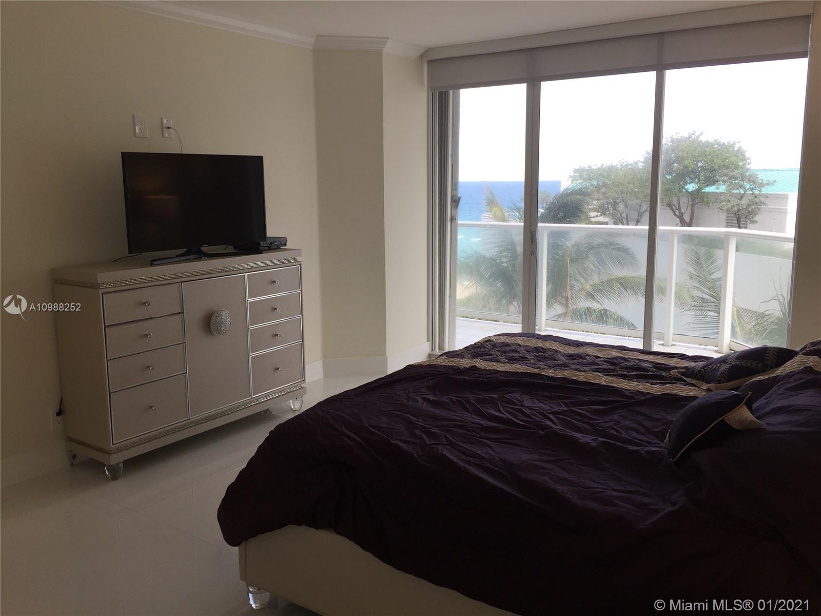 16485 Collins Ave #538 photo06
