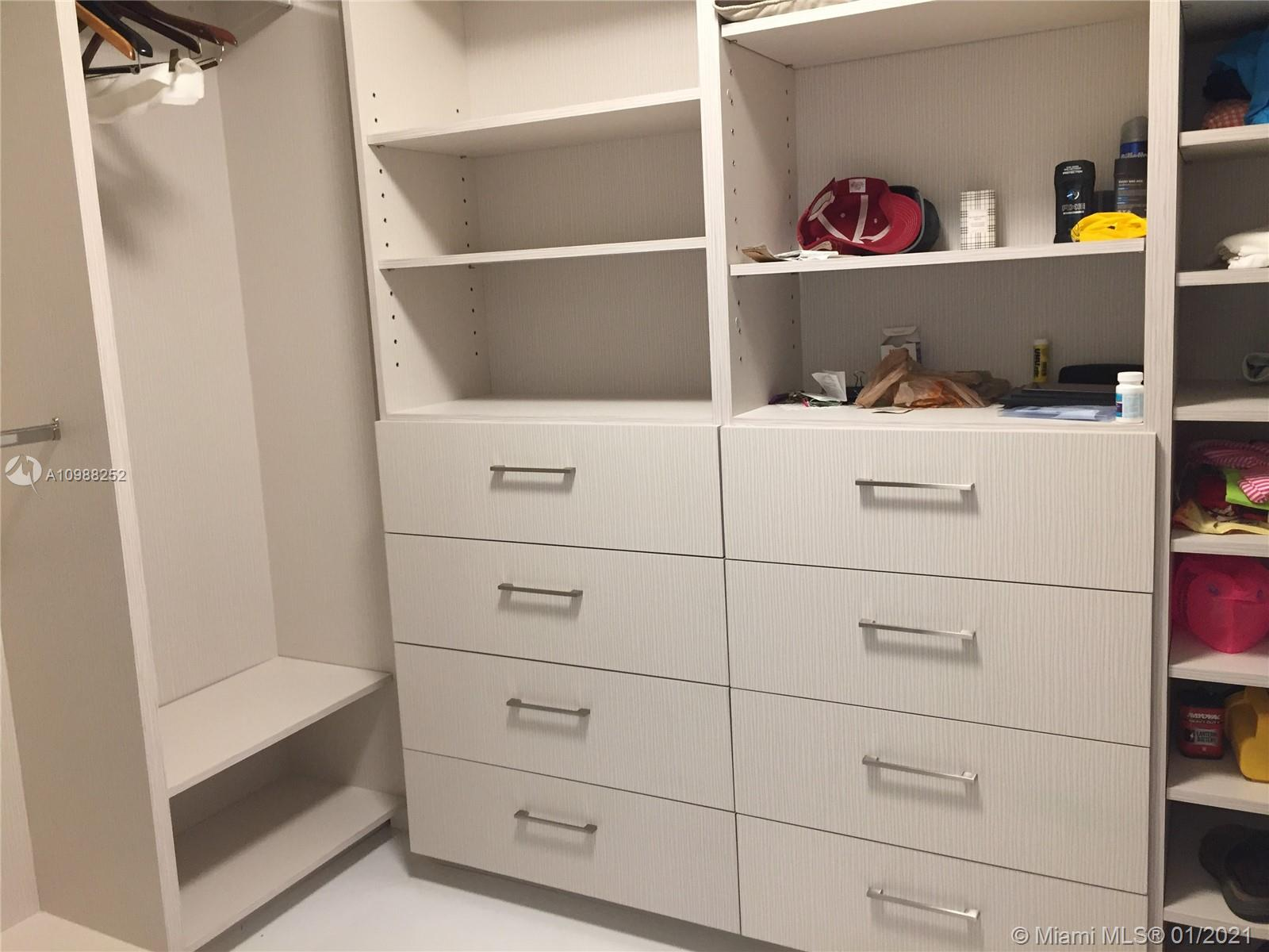 16485 Collins Ave #538 photo022