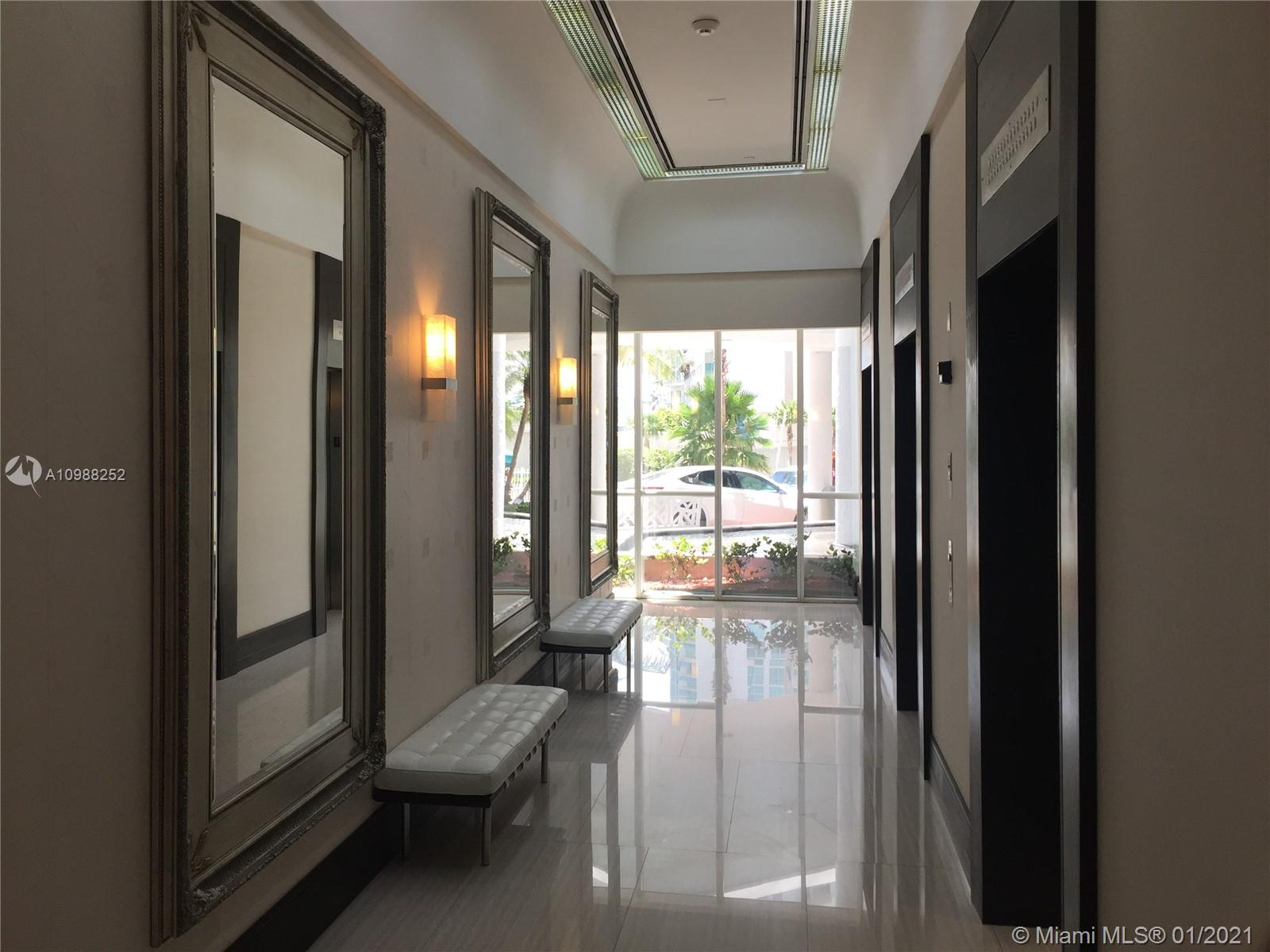 16485 Collins Ave #538 photo01