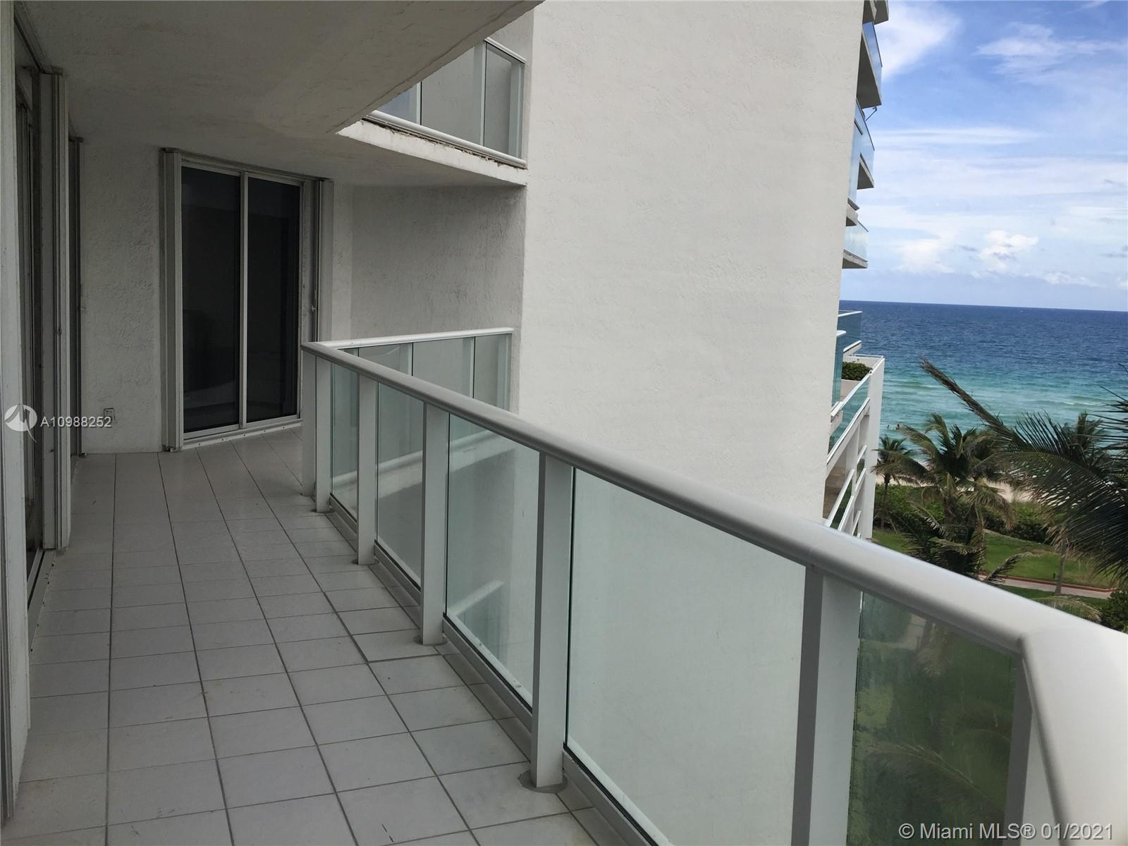 16485 Collins Ave #538 photo011