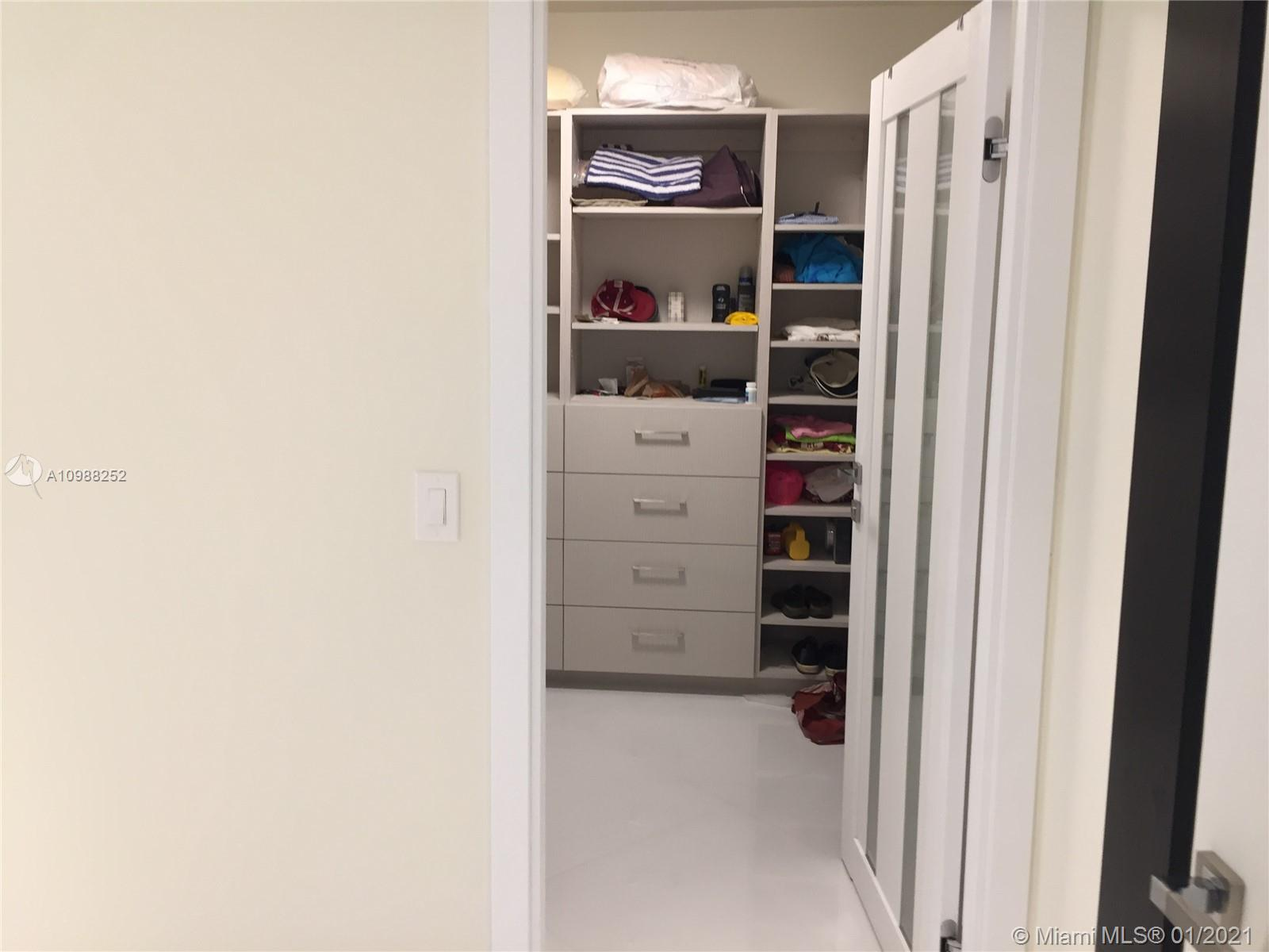 16485 Collins Ave #538 photo021