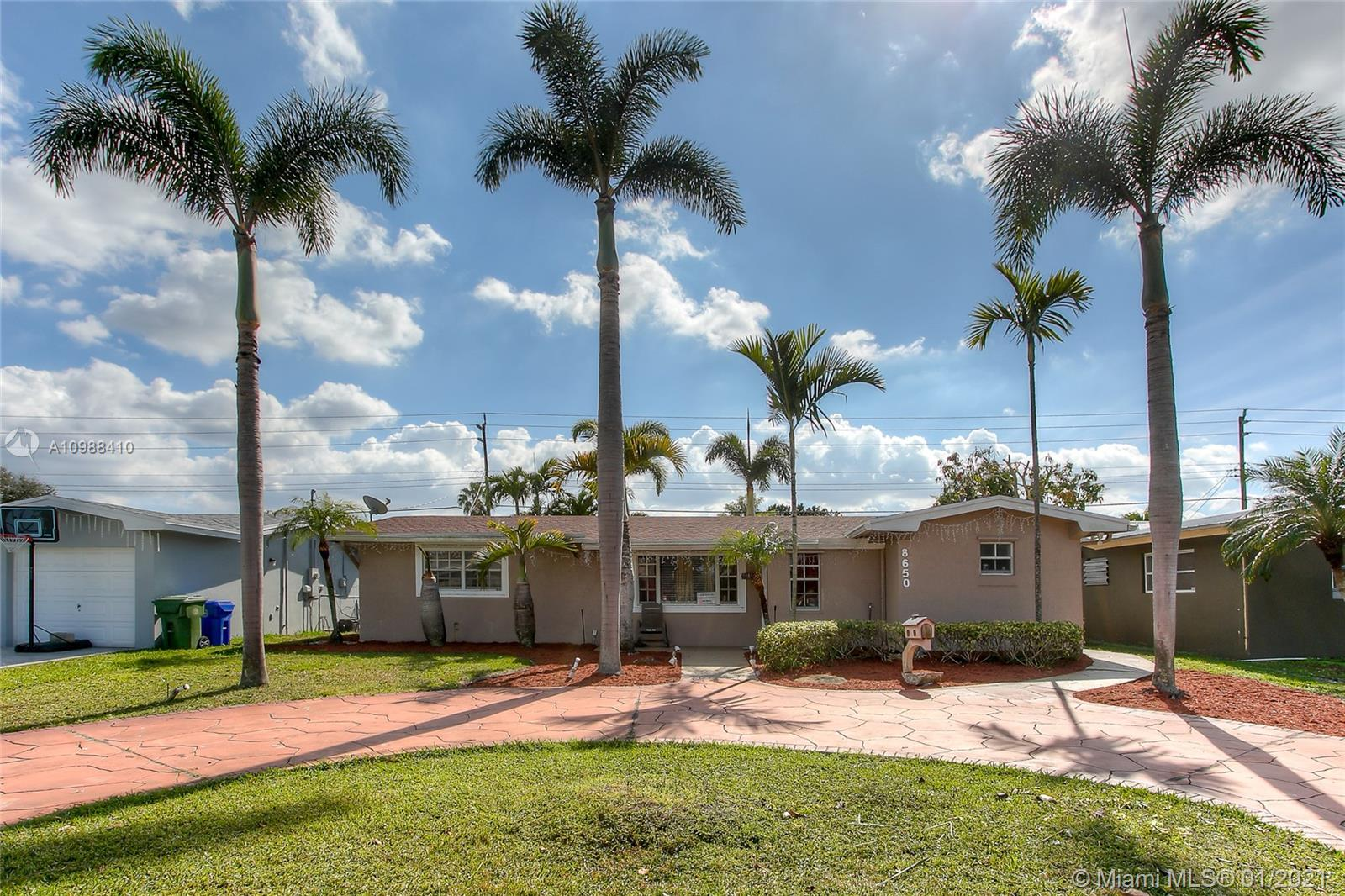 Boulevard Heights - 8650 NW 11th St, Pembroke Pines, FL 33024
