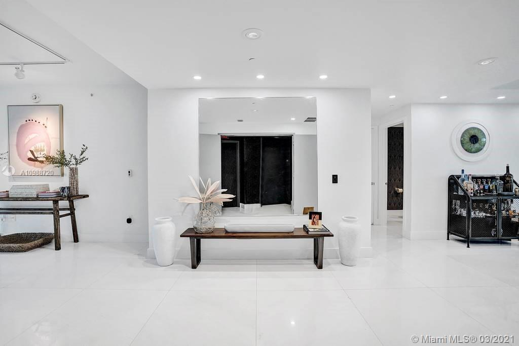 1 Collins Ave #203 photo02