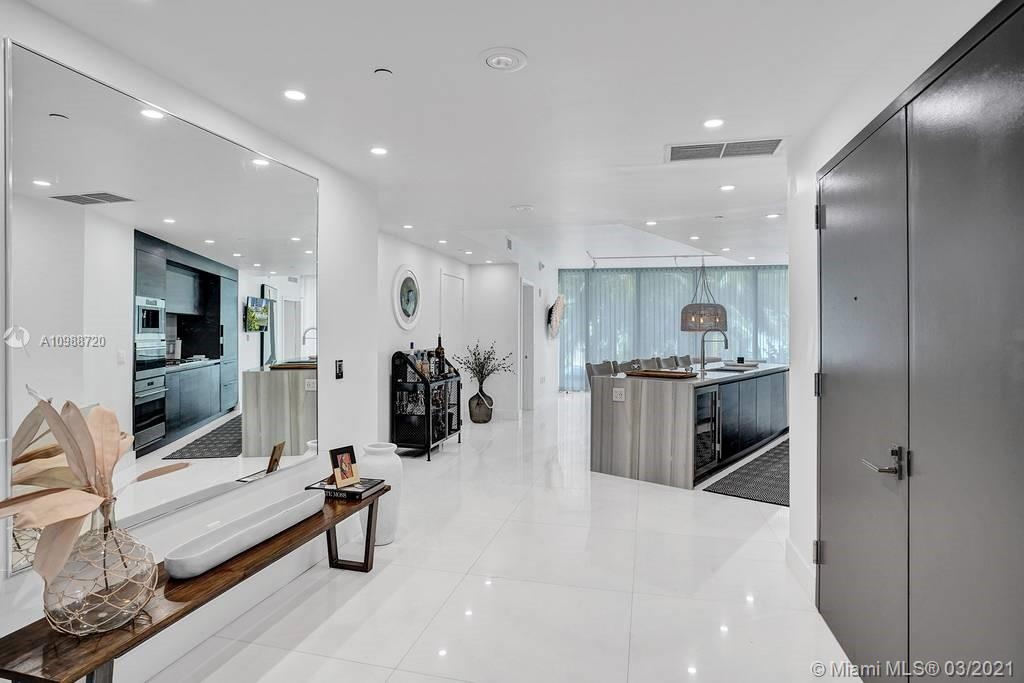 1 Collins Ave #203 photo08