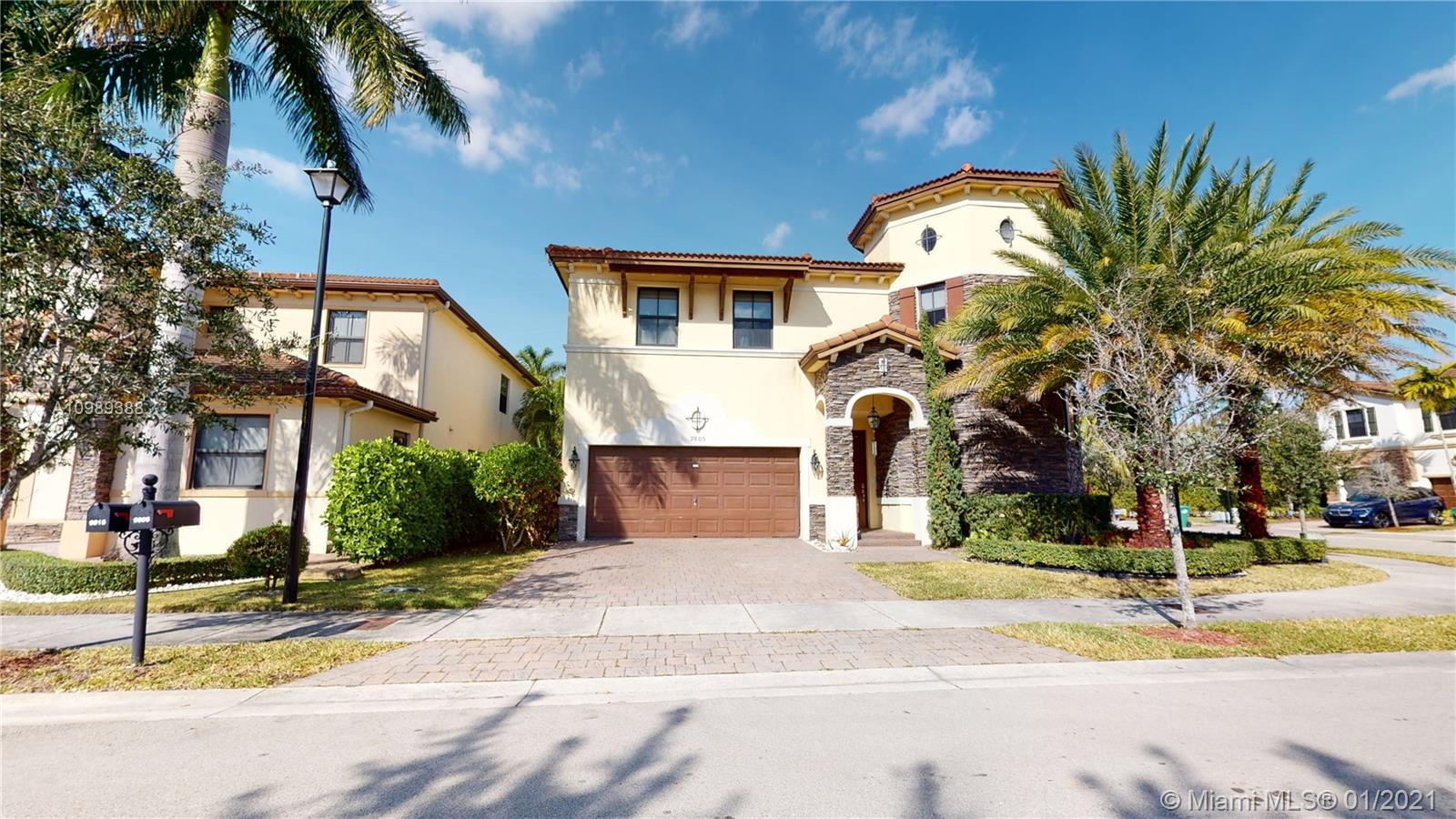 Grand Bay - 9805 NW 89th Ter, Doral, FL 33178