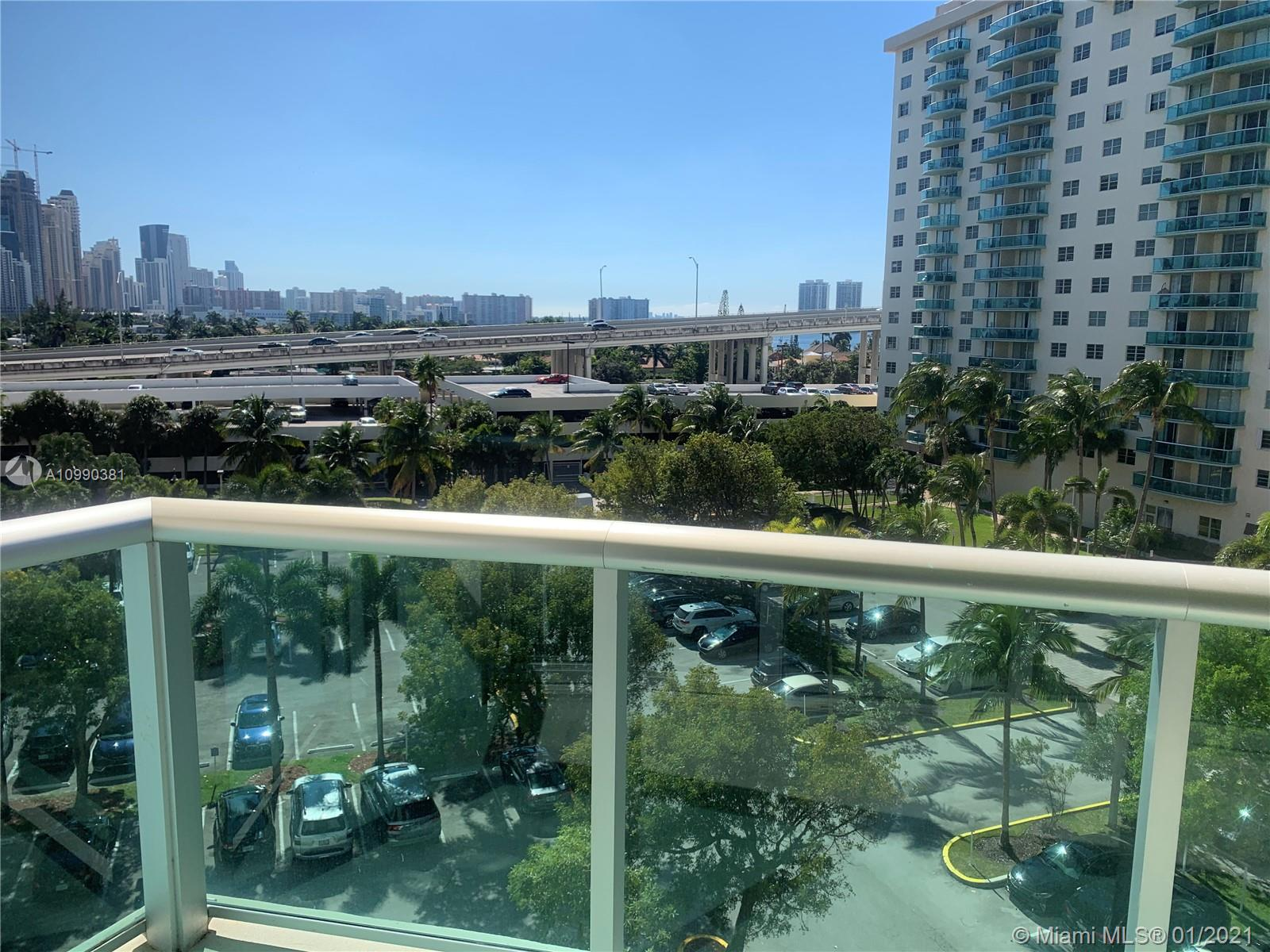 19380 Collins Ave #625 photo02