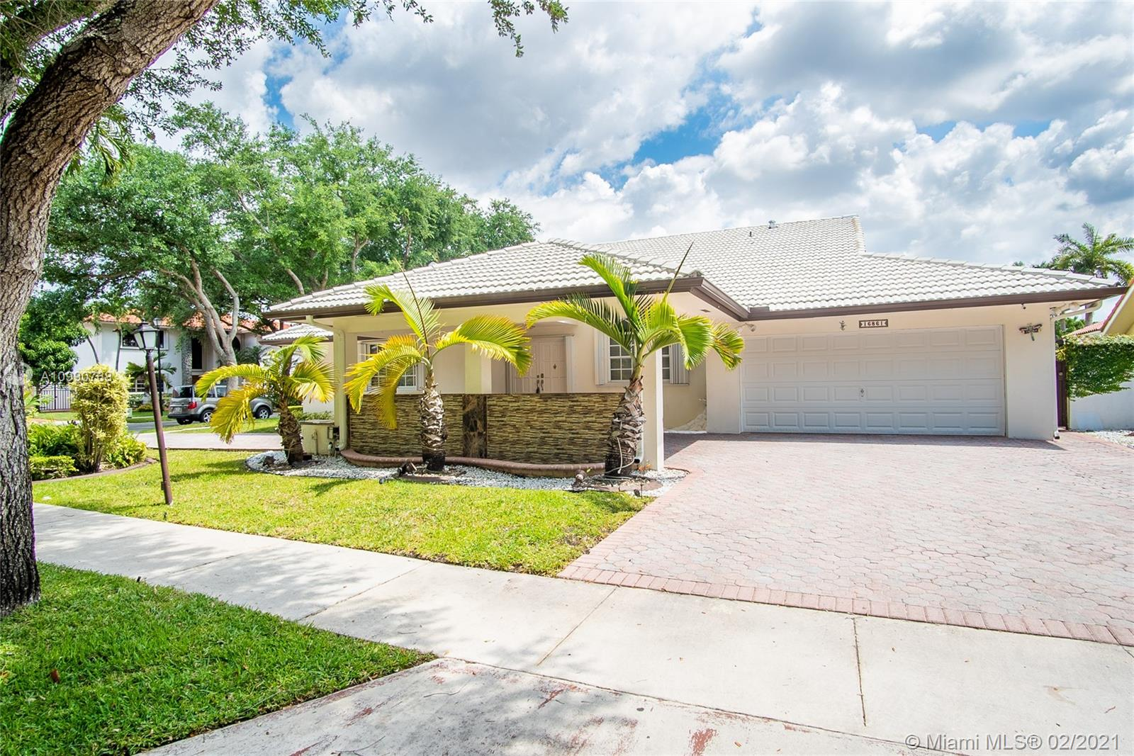 Miami Lakes - 16861 NW 79th Pl, Miami Lakes, FL 33016