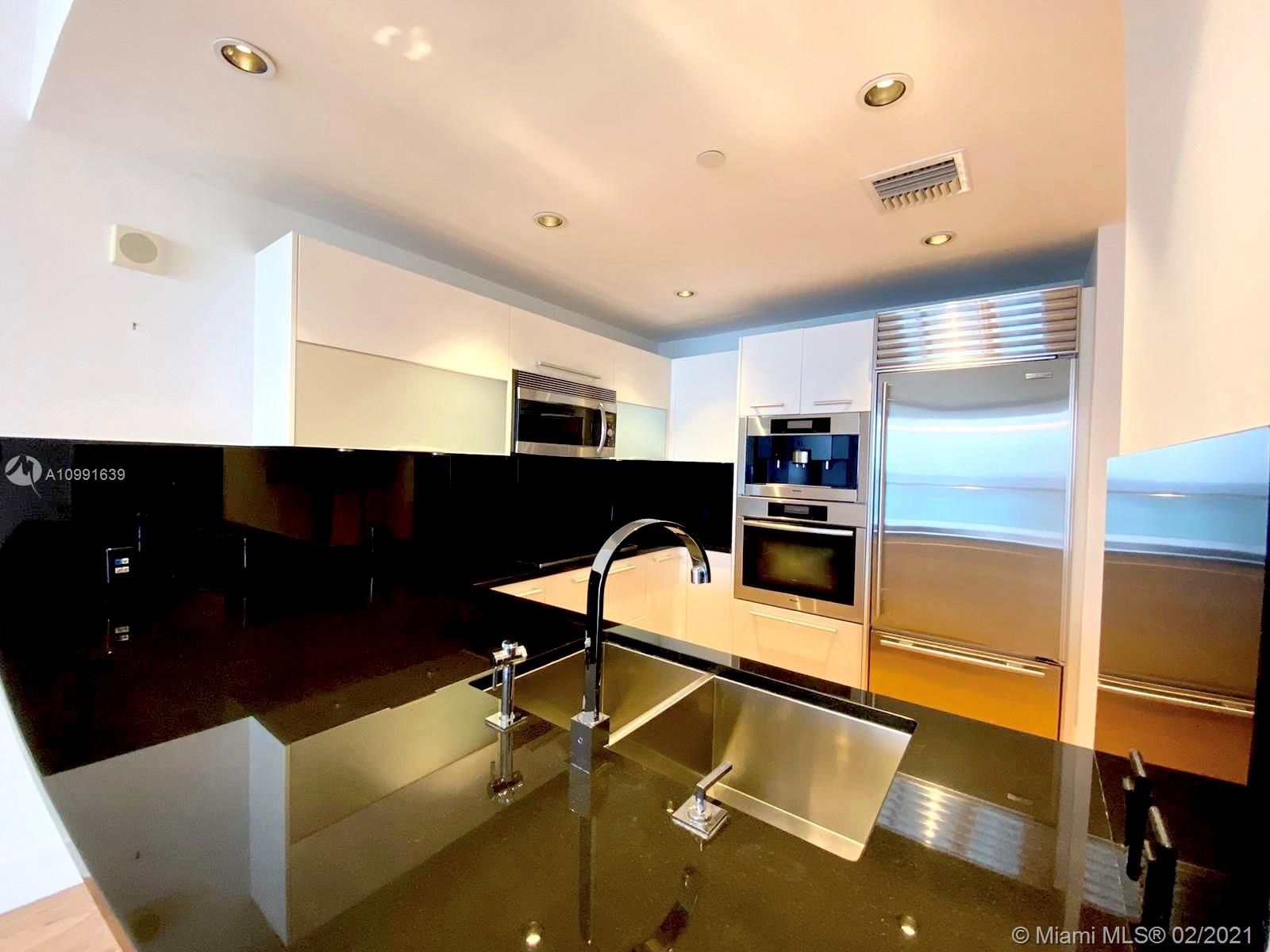 17121 Collins Ave #1903 photo04
