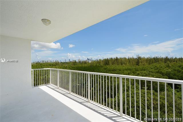 One Fifty One At Biscayne #209 - 14951 Royal Oaks Ln #209, North Miami, FL 33181