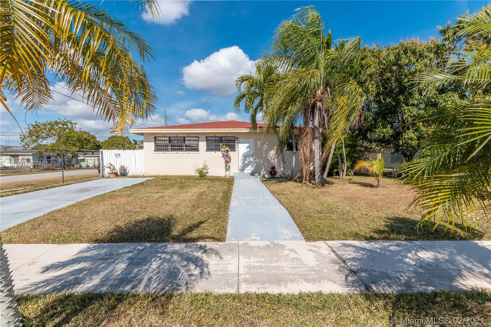 10495 SW 170th Ter, Miami, Florida 33157, 3 Bedrooms Bedrooms, ,2 BathroomsBathrooms,Residential,For Sale,10495 SW 170th Ter,A10992851