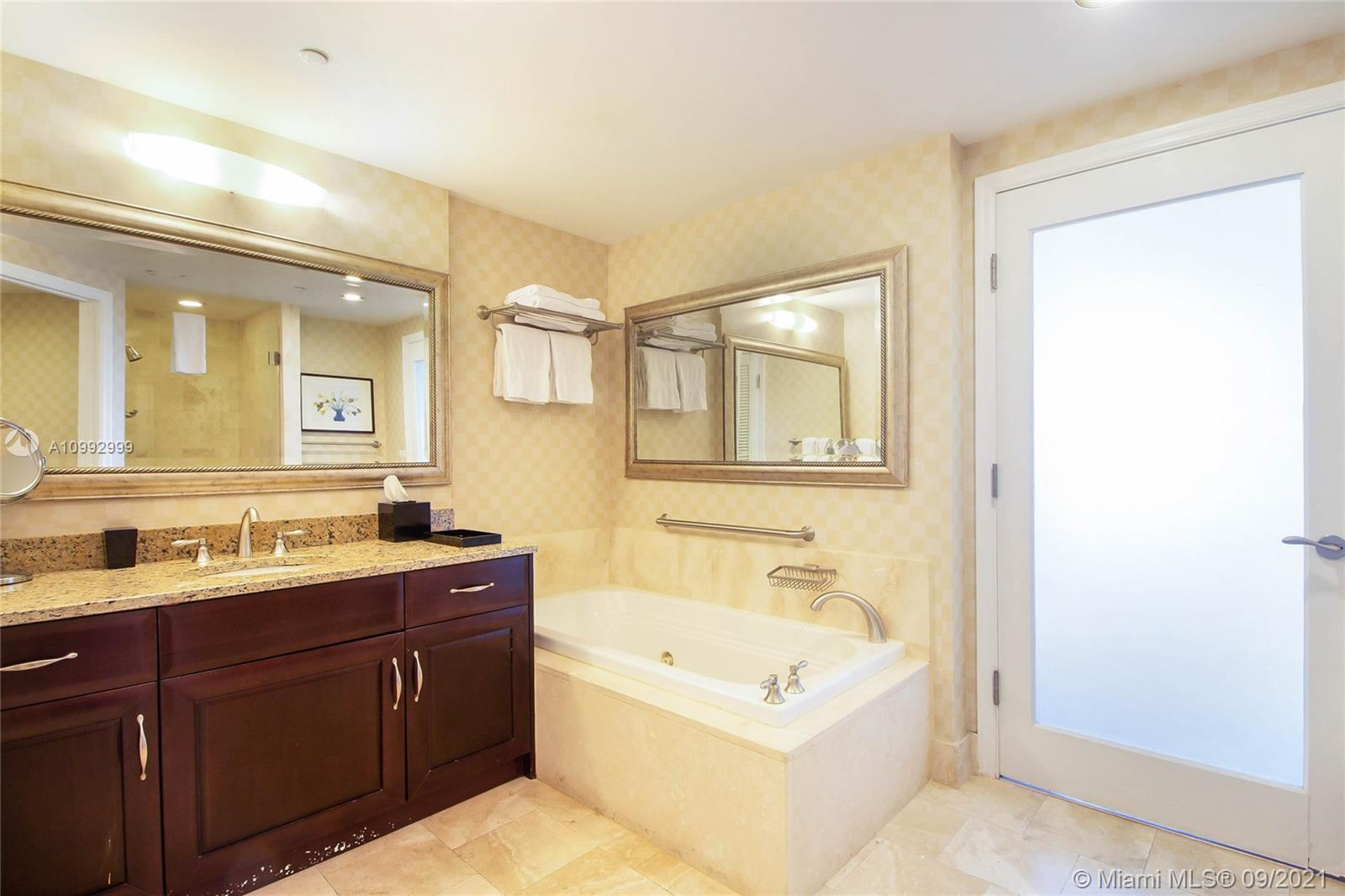 4401 Collins Ave #3603 photo014