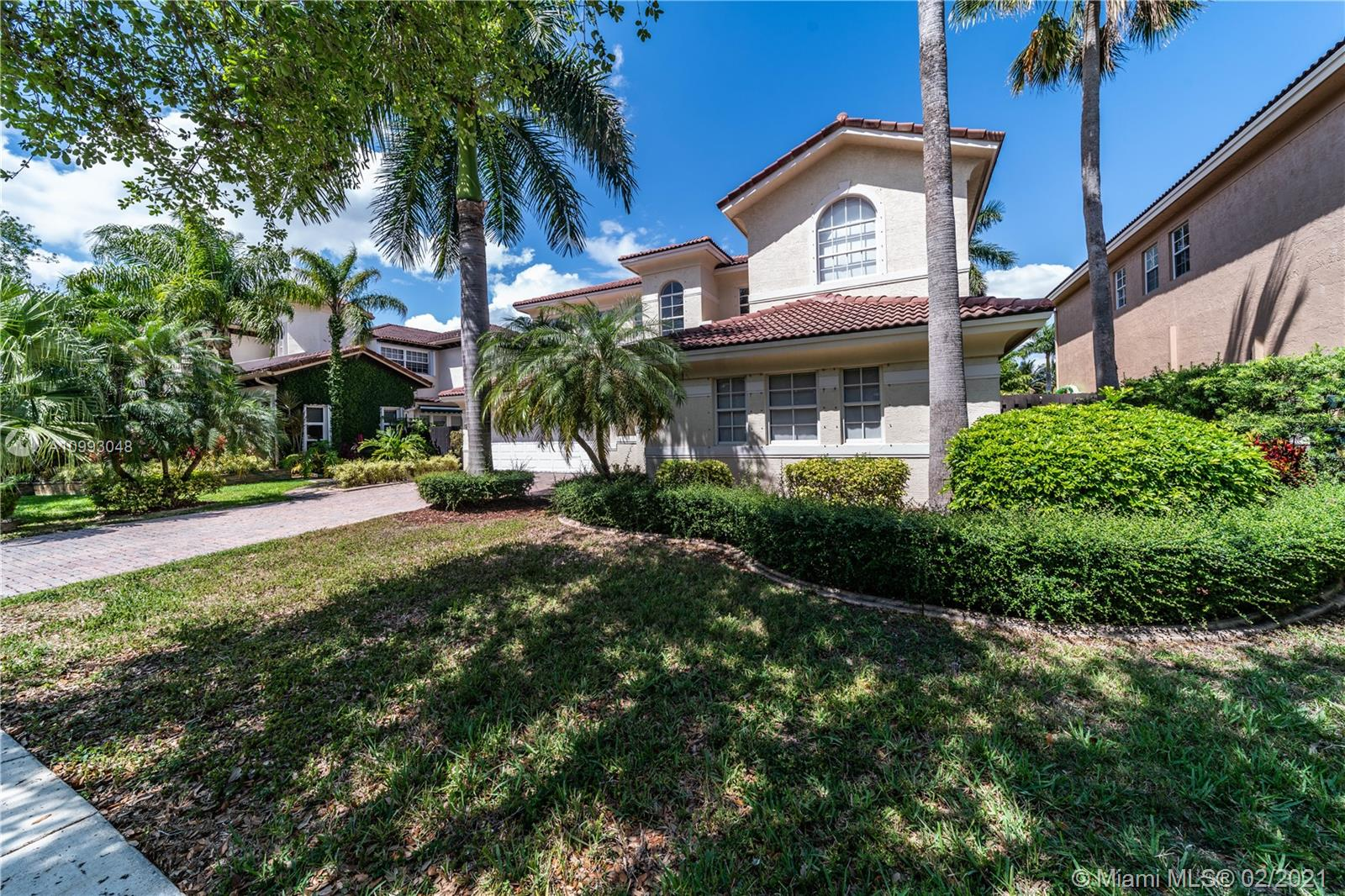 Doral Isles - 11213 NW 71st Ter, Doral, FL 33178