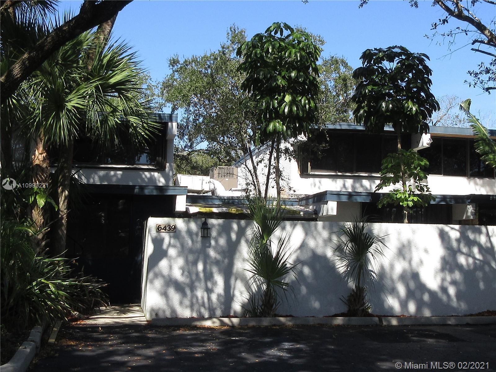 Miami Lakes #6439 - 01 - photo