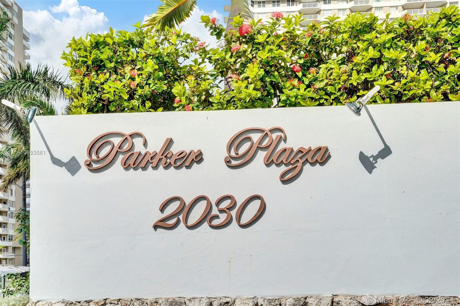 Parker Plaza #924 - 01 - photo