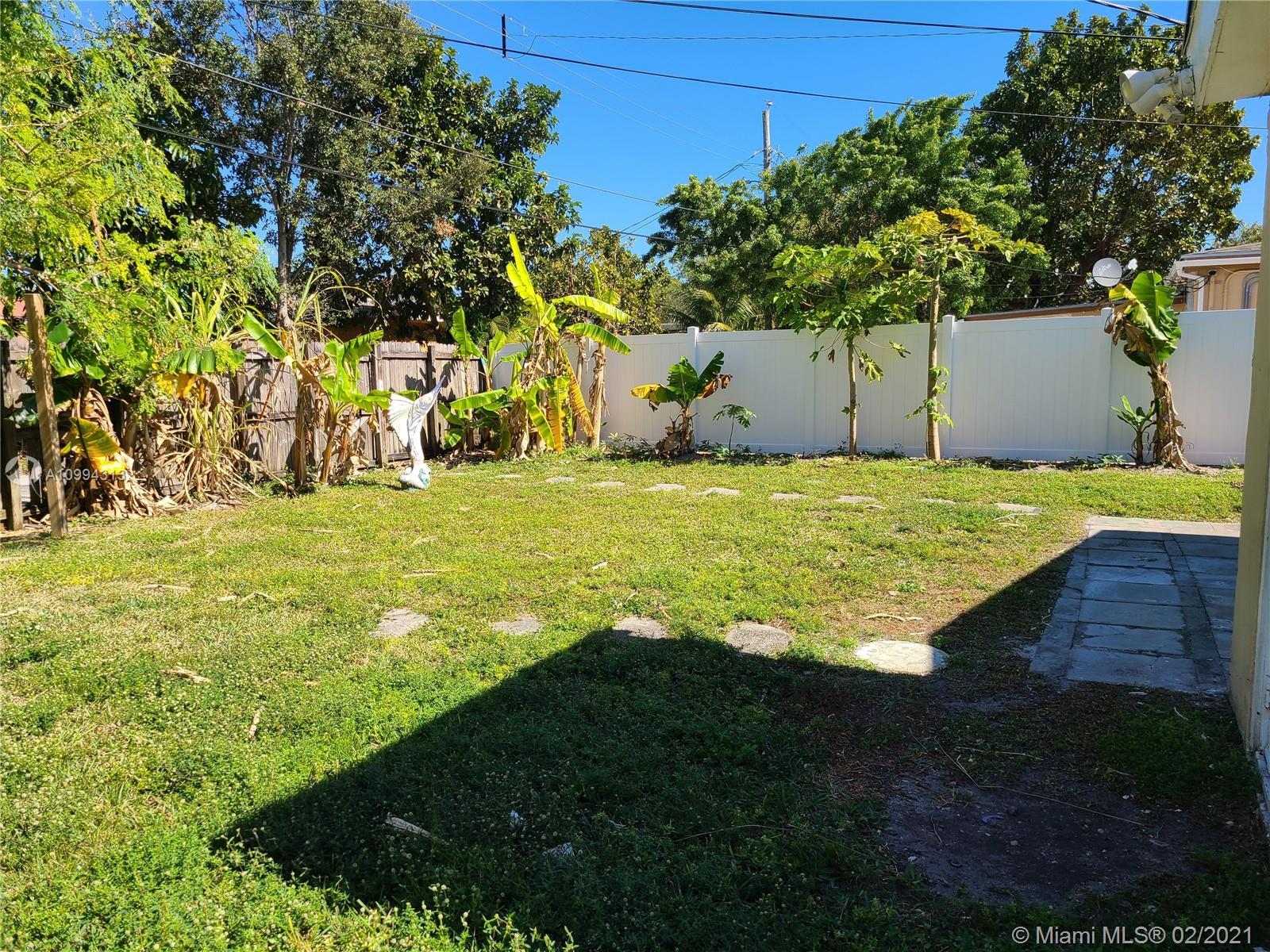 1471 NE 177th St photo011