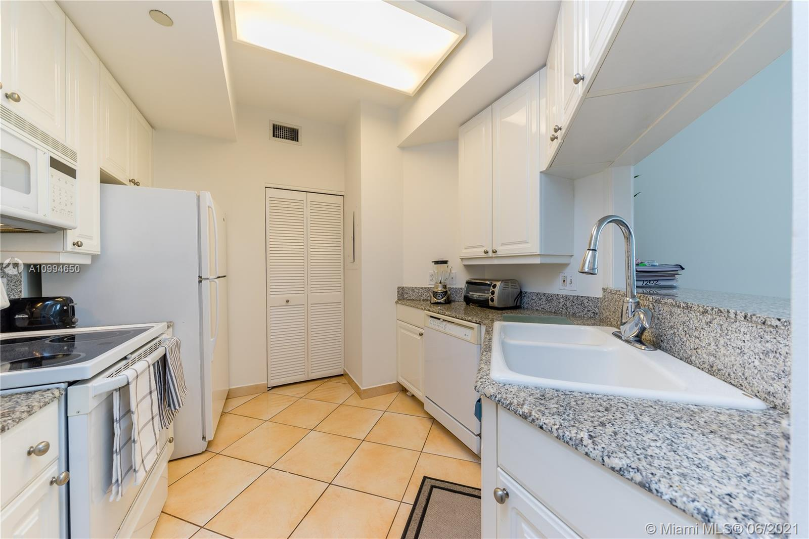 888 Brickell Key Dr #1202 photo012