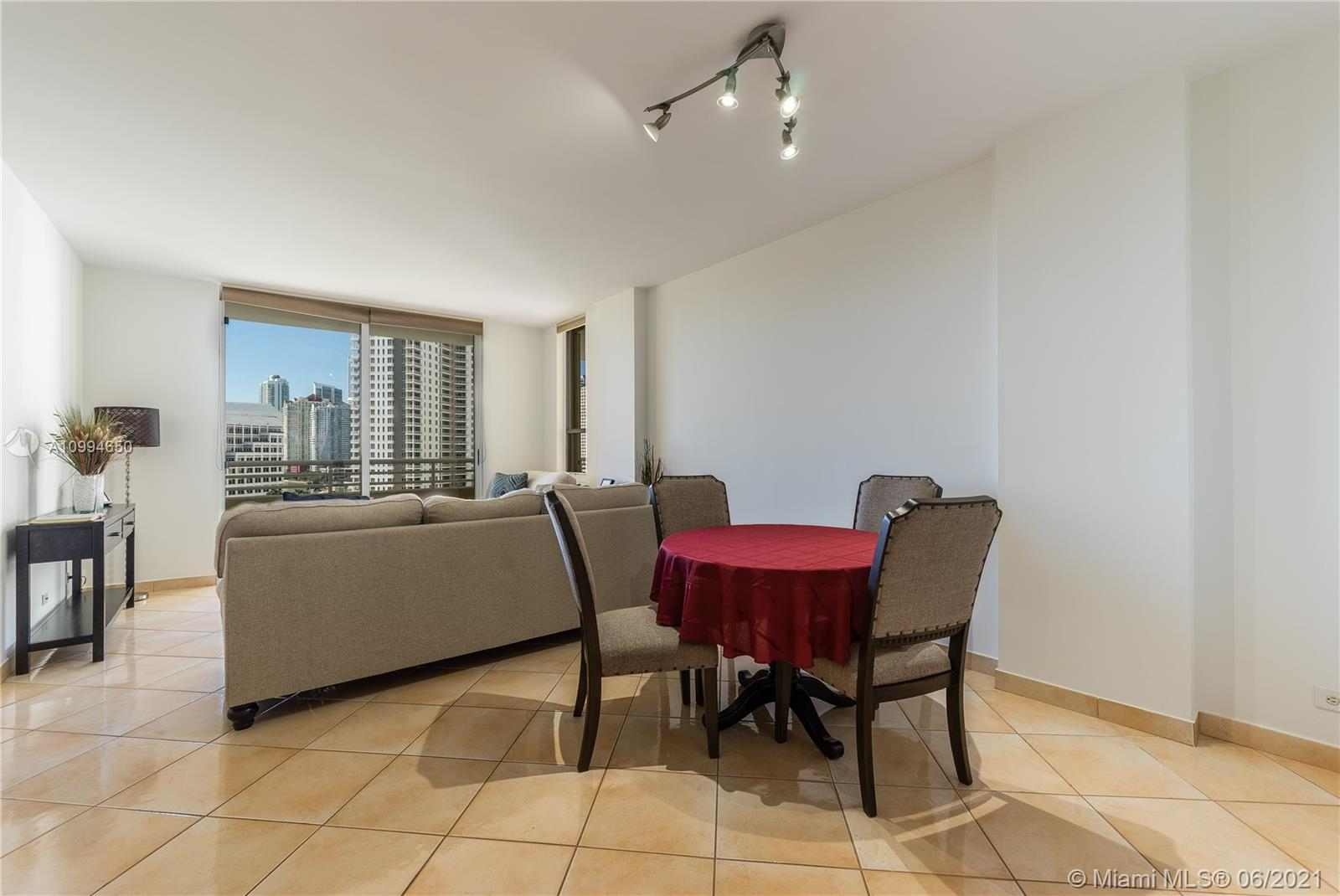 888 Brickell Key Dr #1202 photo010