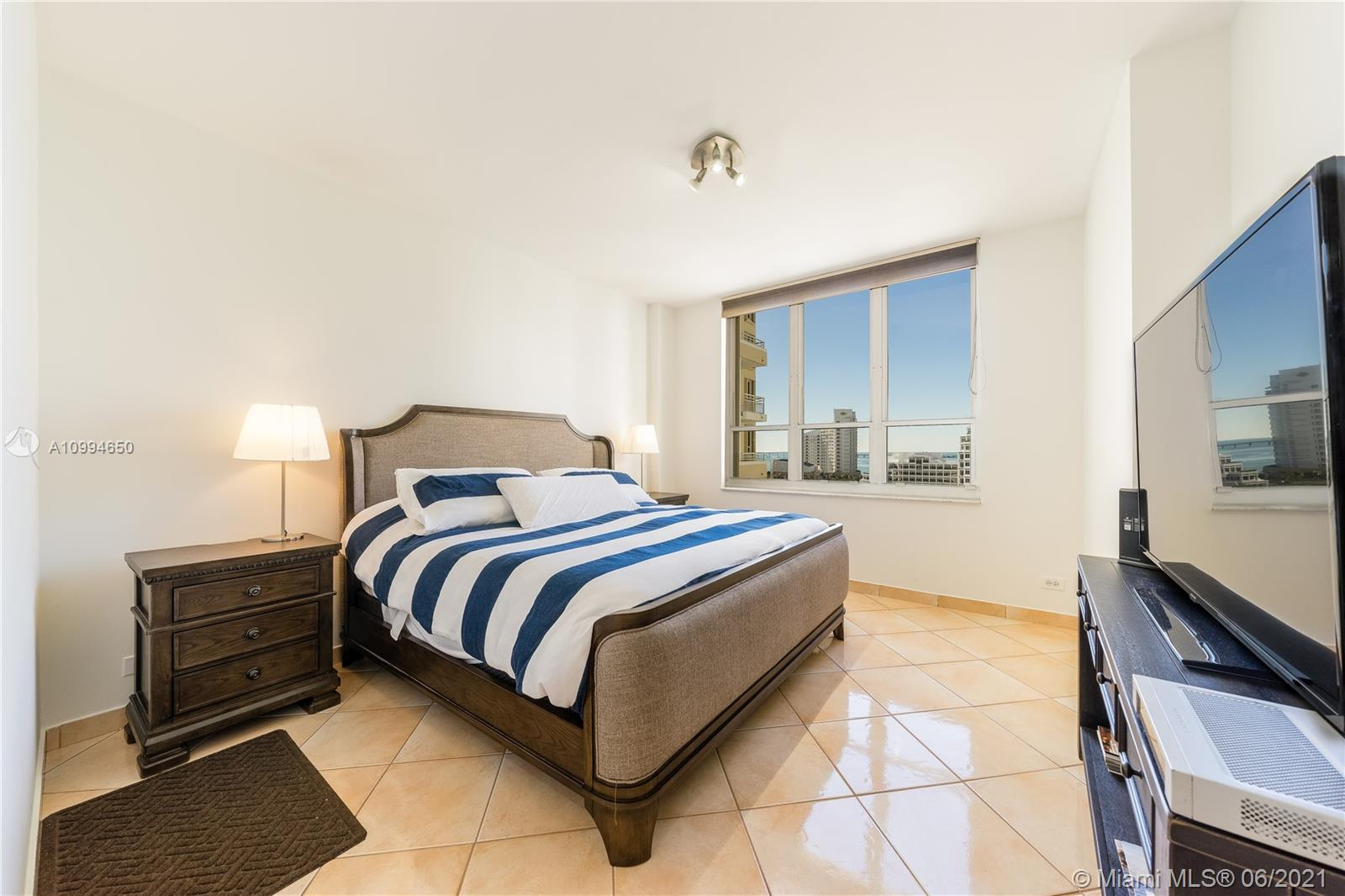 888 Brickell Key Dr #1202 photo08