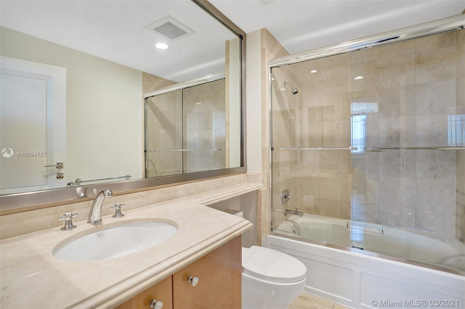 17875 Collins Ave #901 photo013