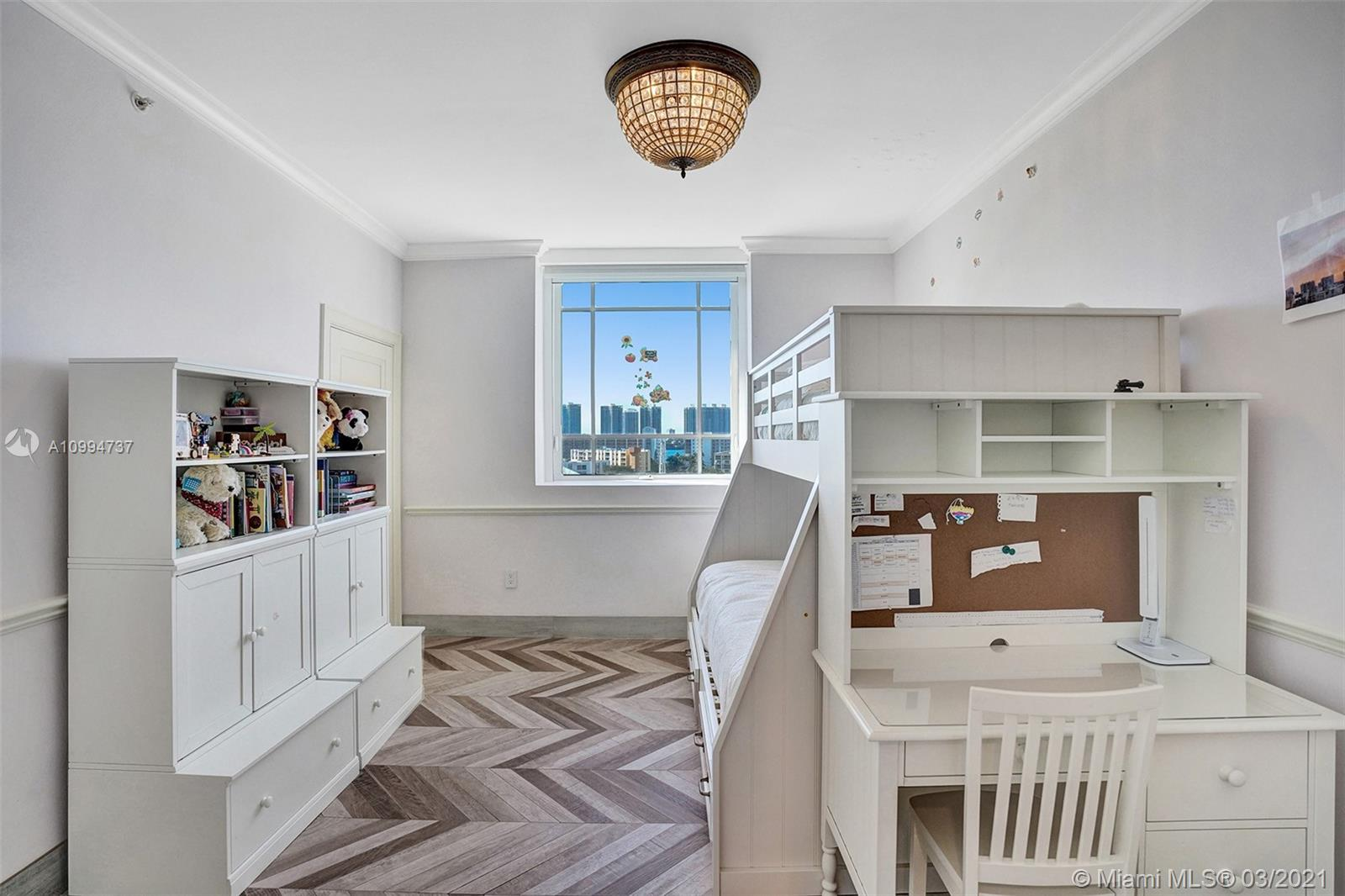 17875 Collins Ave #901 photo08