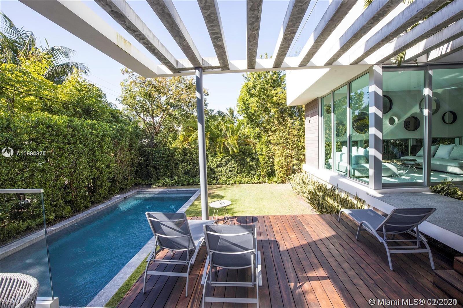Tropical Isle Homes #320 - 320 W Heather Dr #320, Key Biscayne, FL 33149