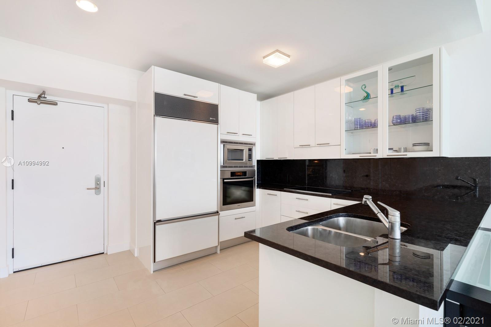 6799 Collins Ave #312 photo05