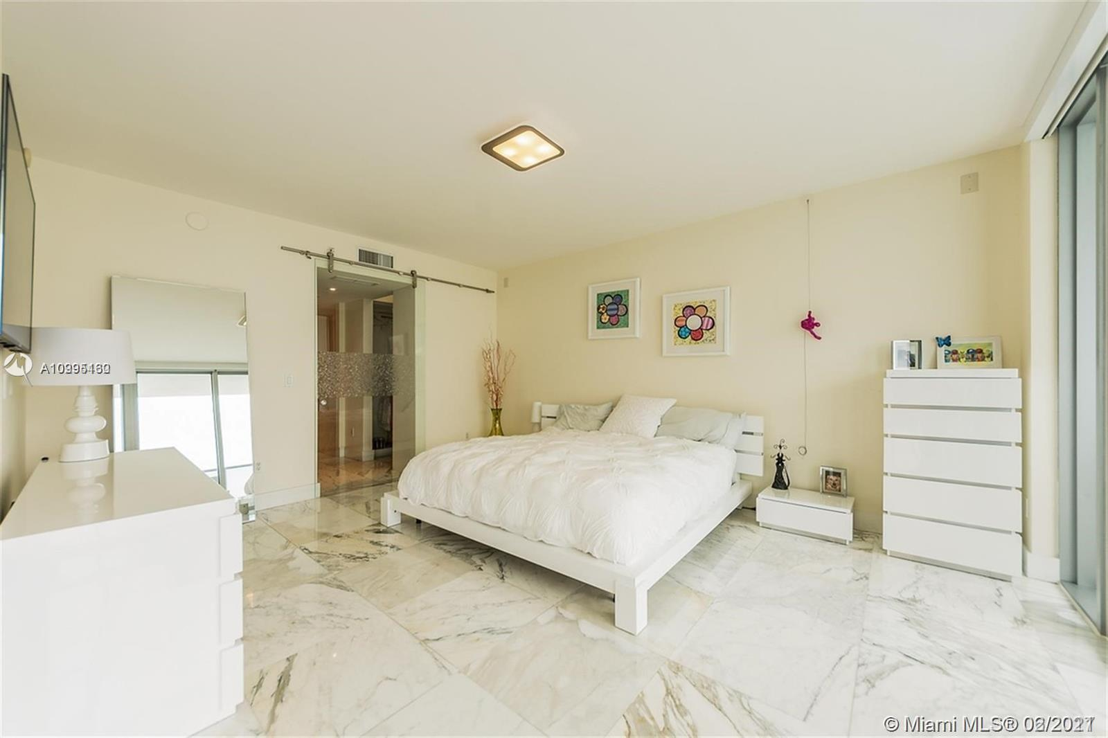 1331 Brickell Bay Dr #1407 photo09