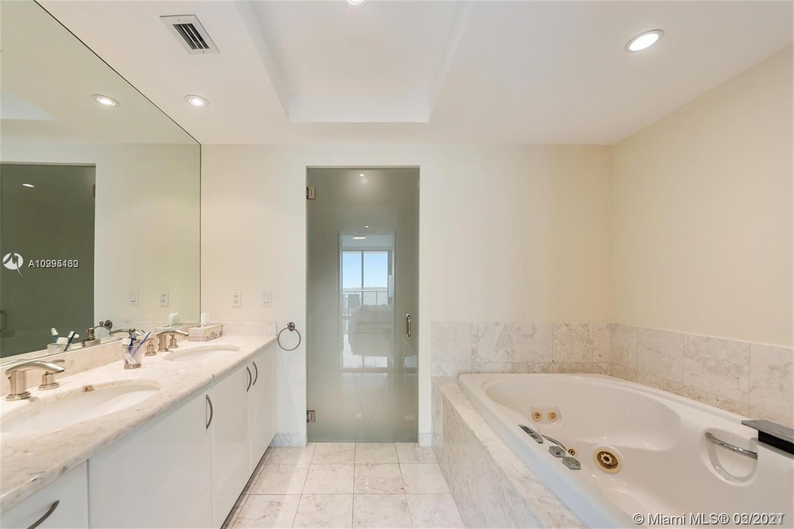 1331 Brickell Bay Dr #1407 photo010