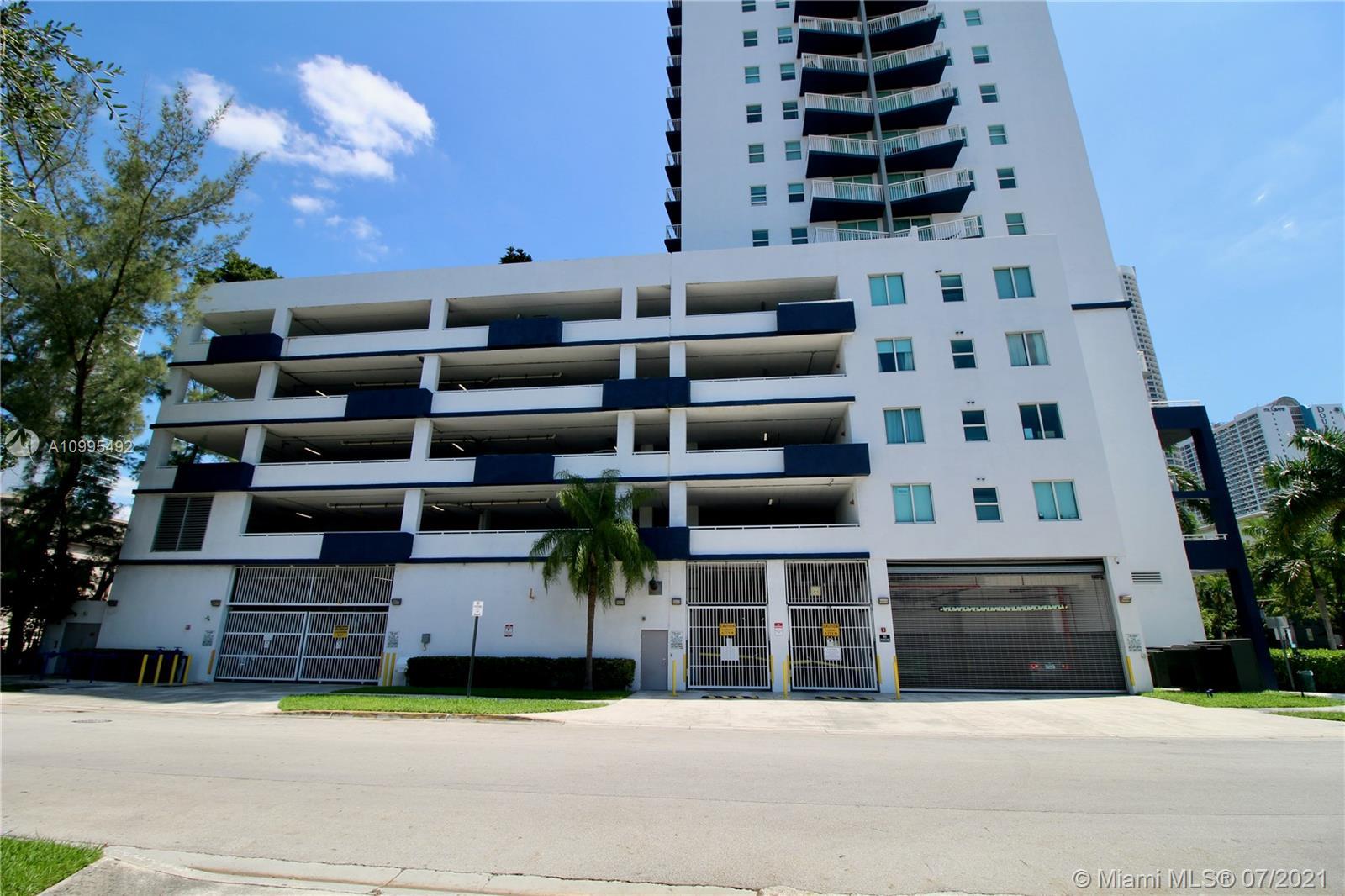 1800 Biscayne Plaza #306 photo20