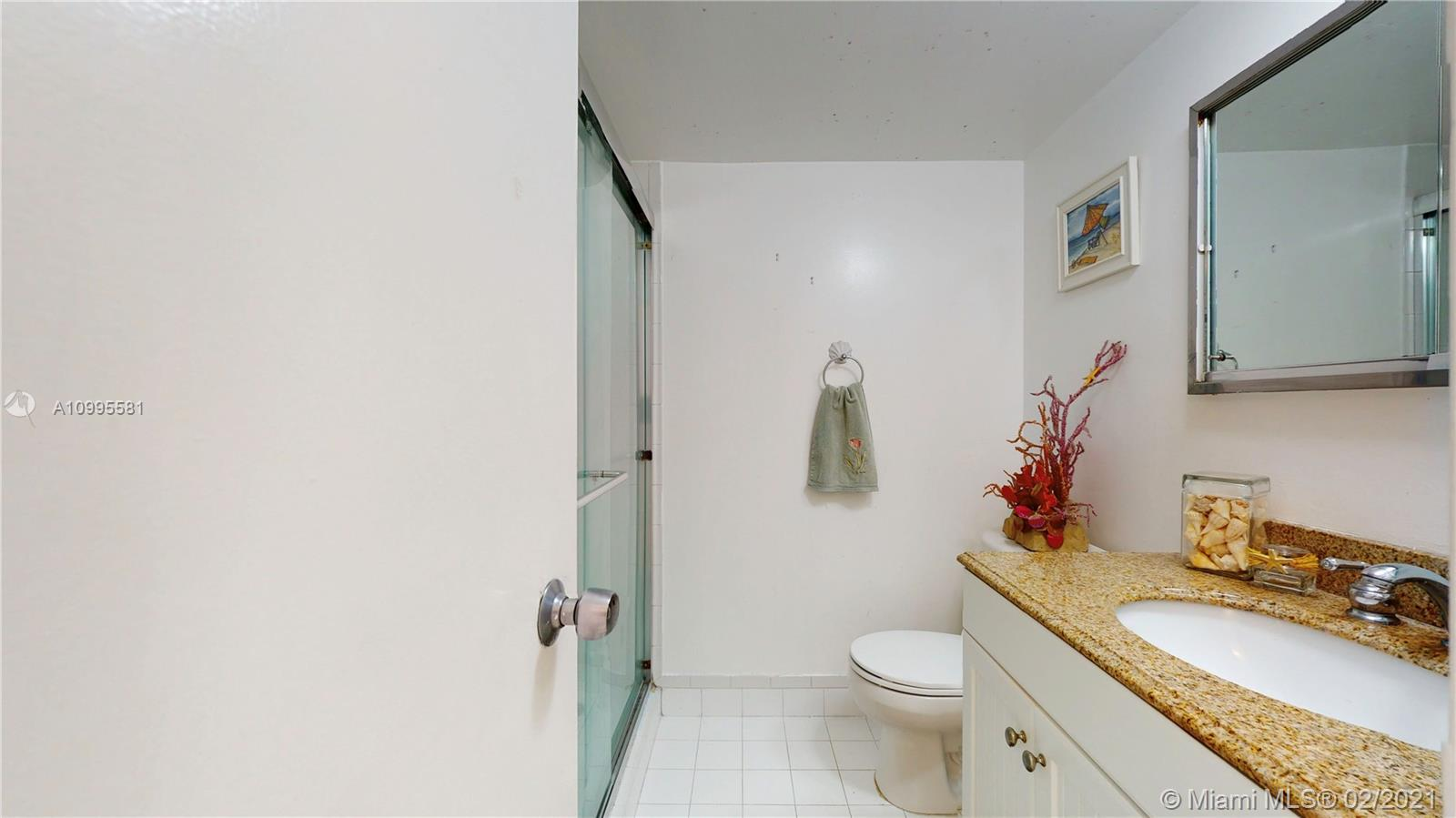 5151 Collins Ave #728 photo032